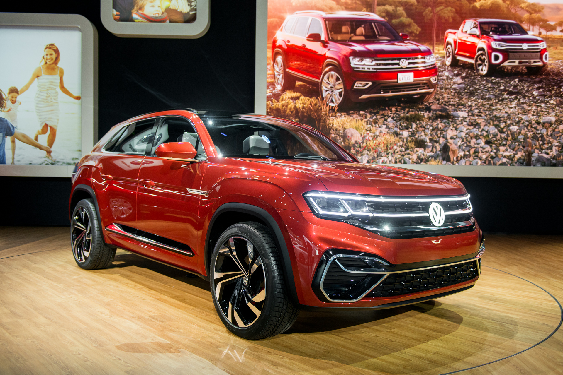 Subaru Truck Concept >> 2020 VW Atlas Cross Sport: Volkswagen's SUV family affair begins