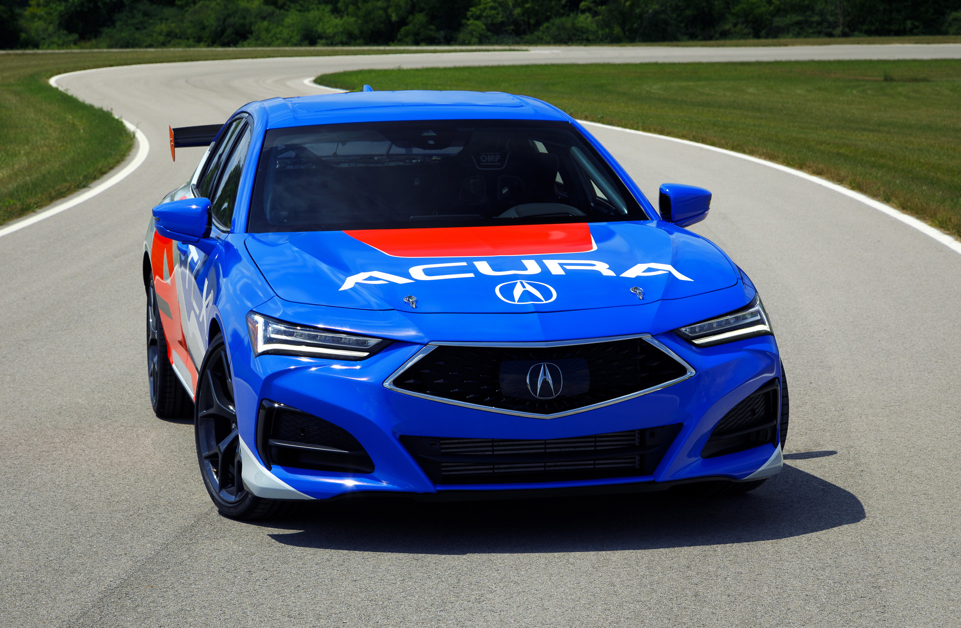 2020 - [Acura] TLX - Page 2 2021-acura-tlx-race-car-to-tackle-2020-pikes-peak-international-hill-climb_100754380_h