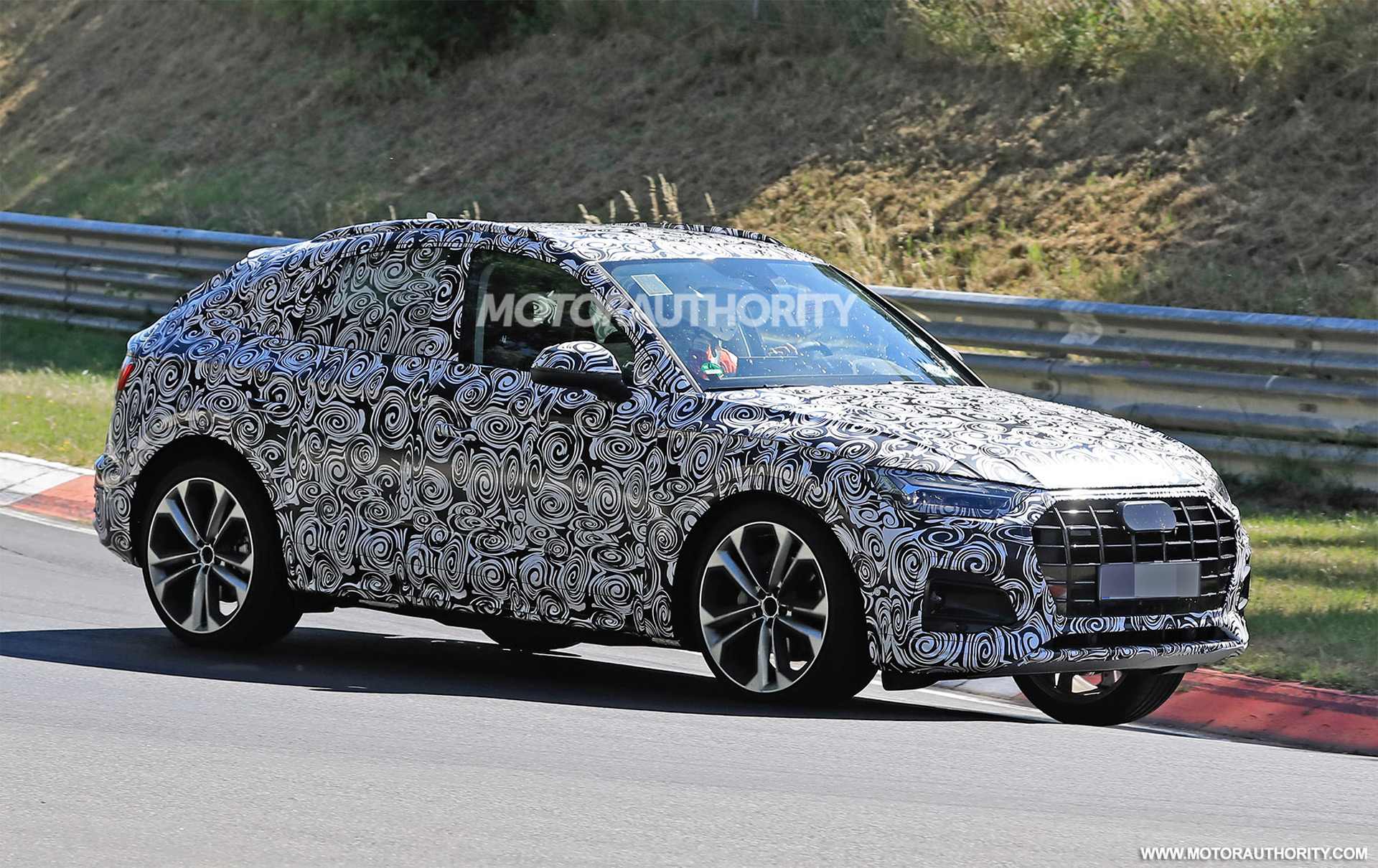 2020 - [Audi] Q5 Sportback - Page 7 2021-audi-q5-sportback-spy-shots--picture-credits-baldauf-sb-medien_100753279_h