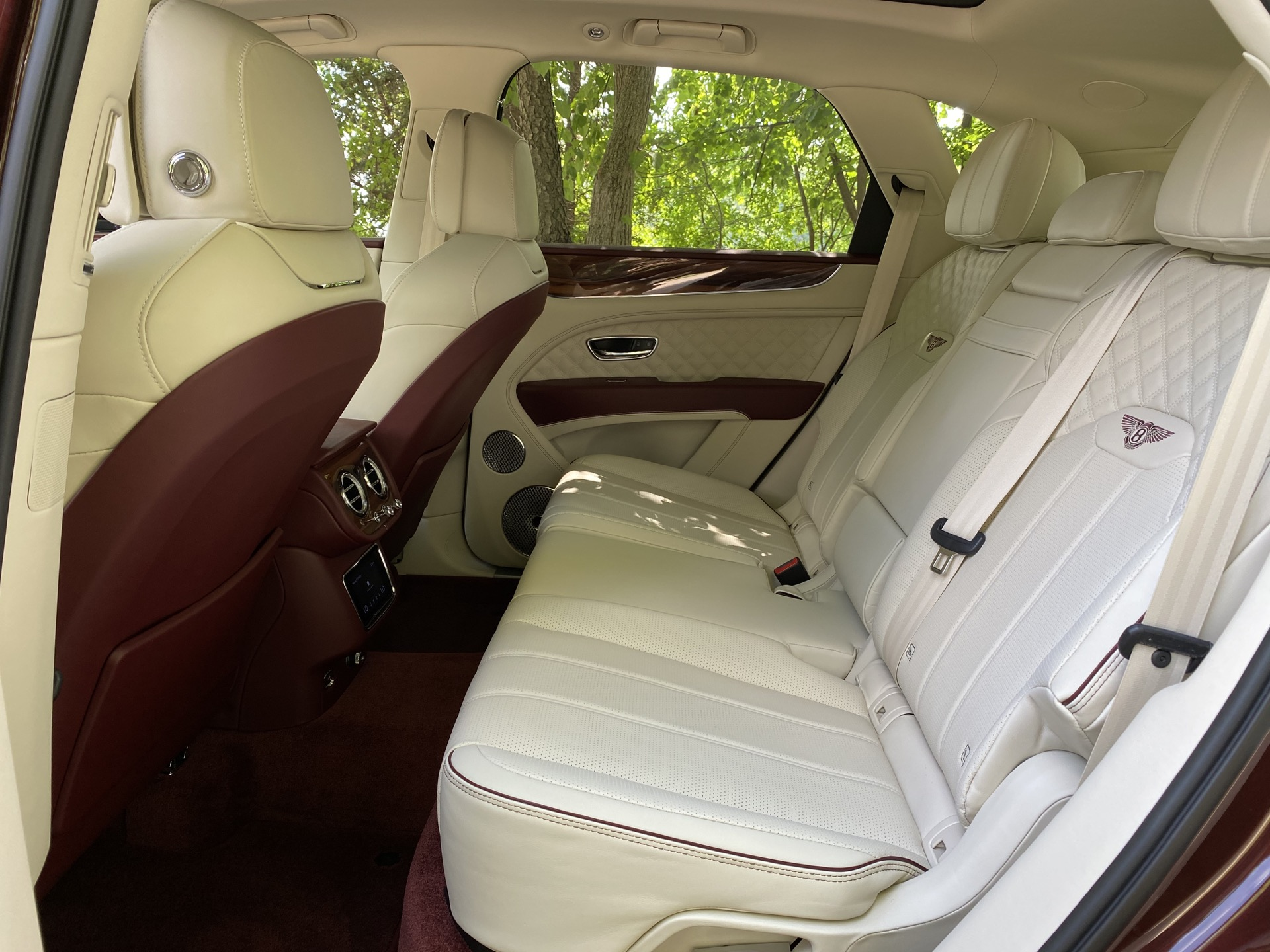 2015 - [Bentley] Bentayga - Page 16 2021-bentley-bentayga_100755821_h