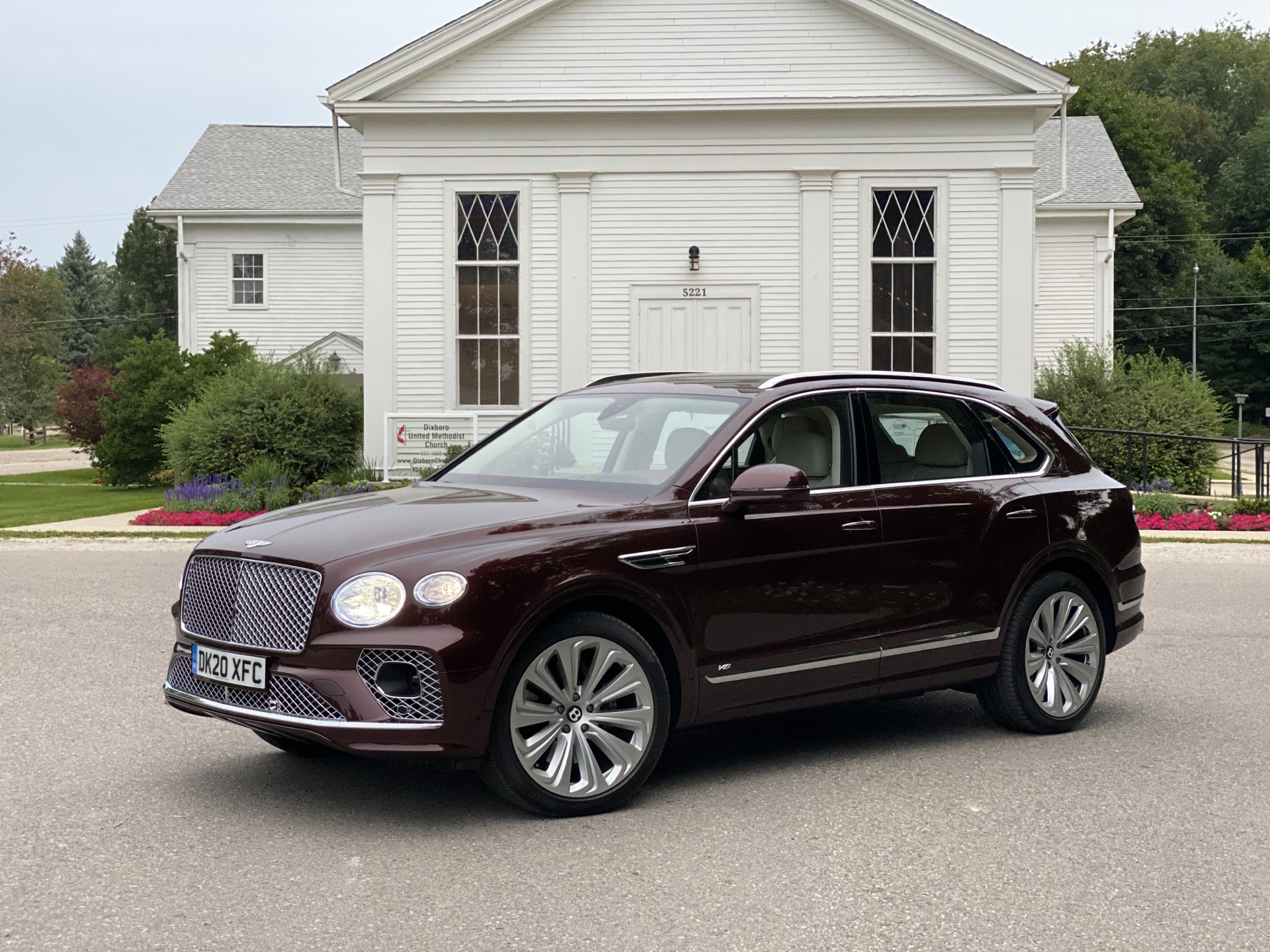 2015 - [Bentley] Bentayga - Page 16 2021-bentley-bentayga_100755837_h