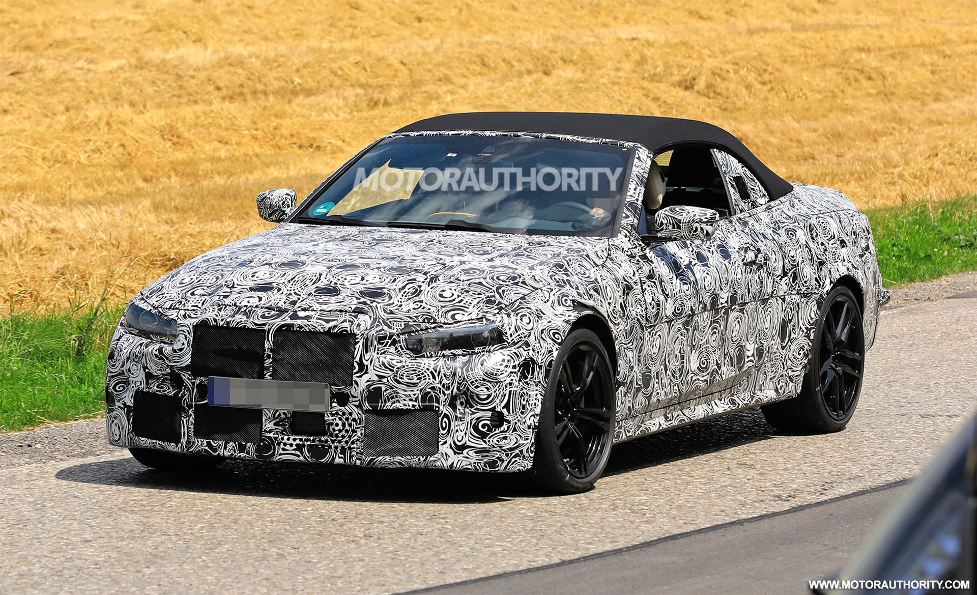 2021 bmw m4 convertible spy shots