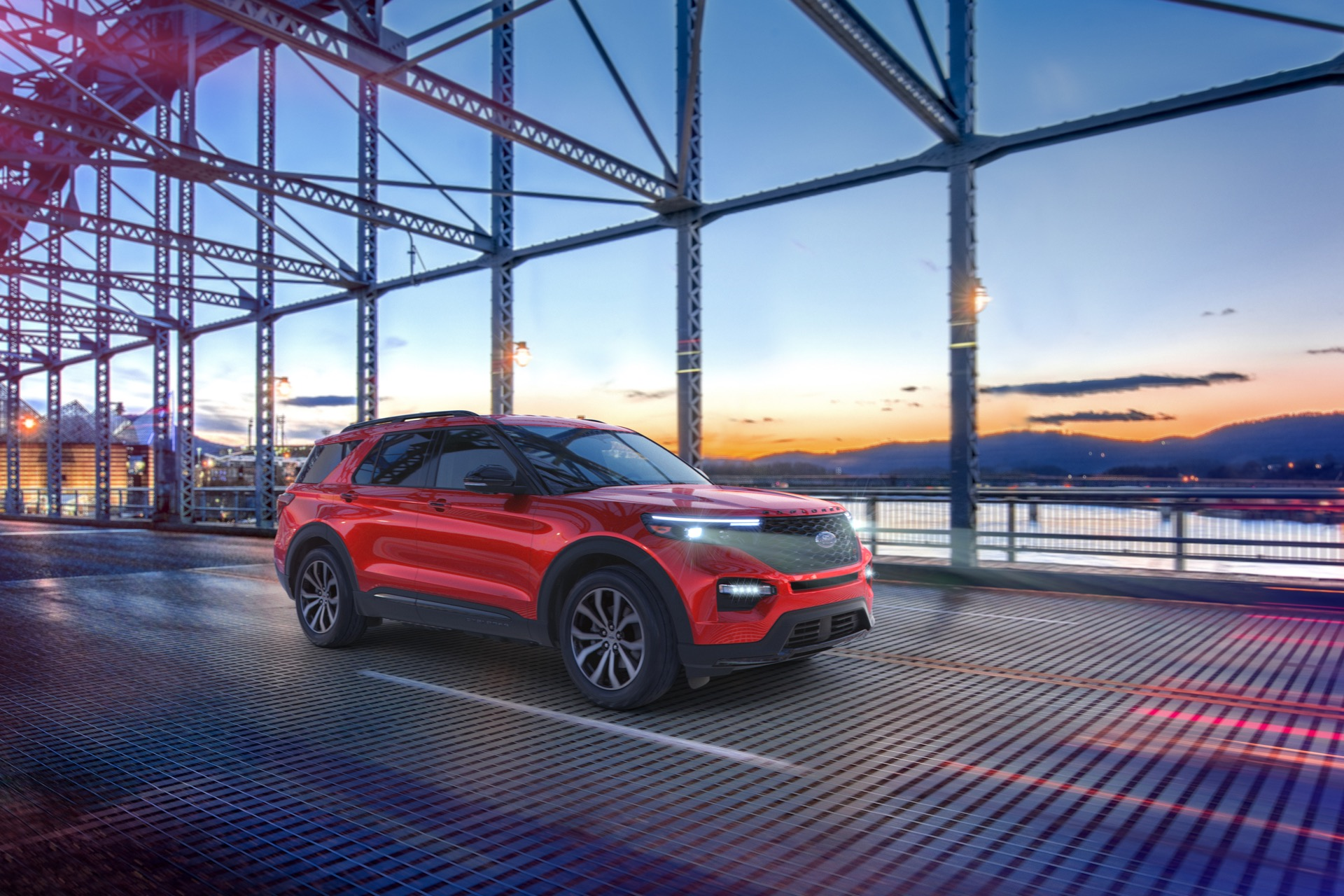 2021 Ford Explorer Enthusiast ST: Silly name signifies more performance for less money