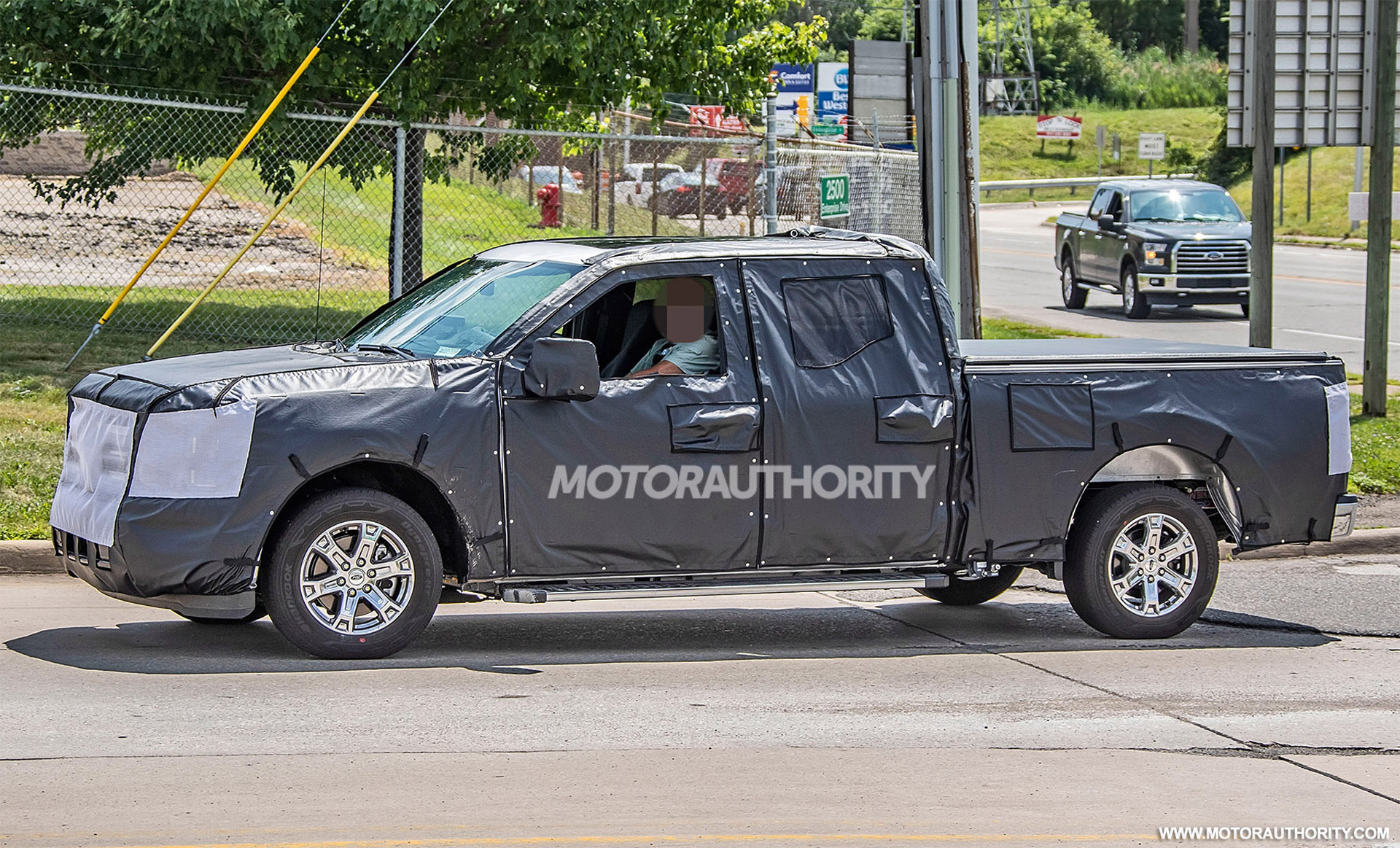 2020 - [Ford] F-Series 2021-ford-f-150-spy-shots--image-via-s-baldauf-sb-medien_100710860_h