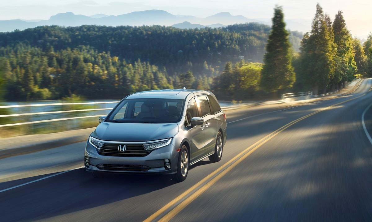 2021 honda odyssey gets more bling, but is still a minivan