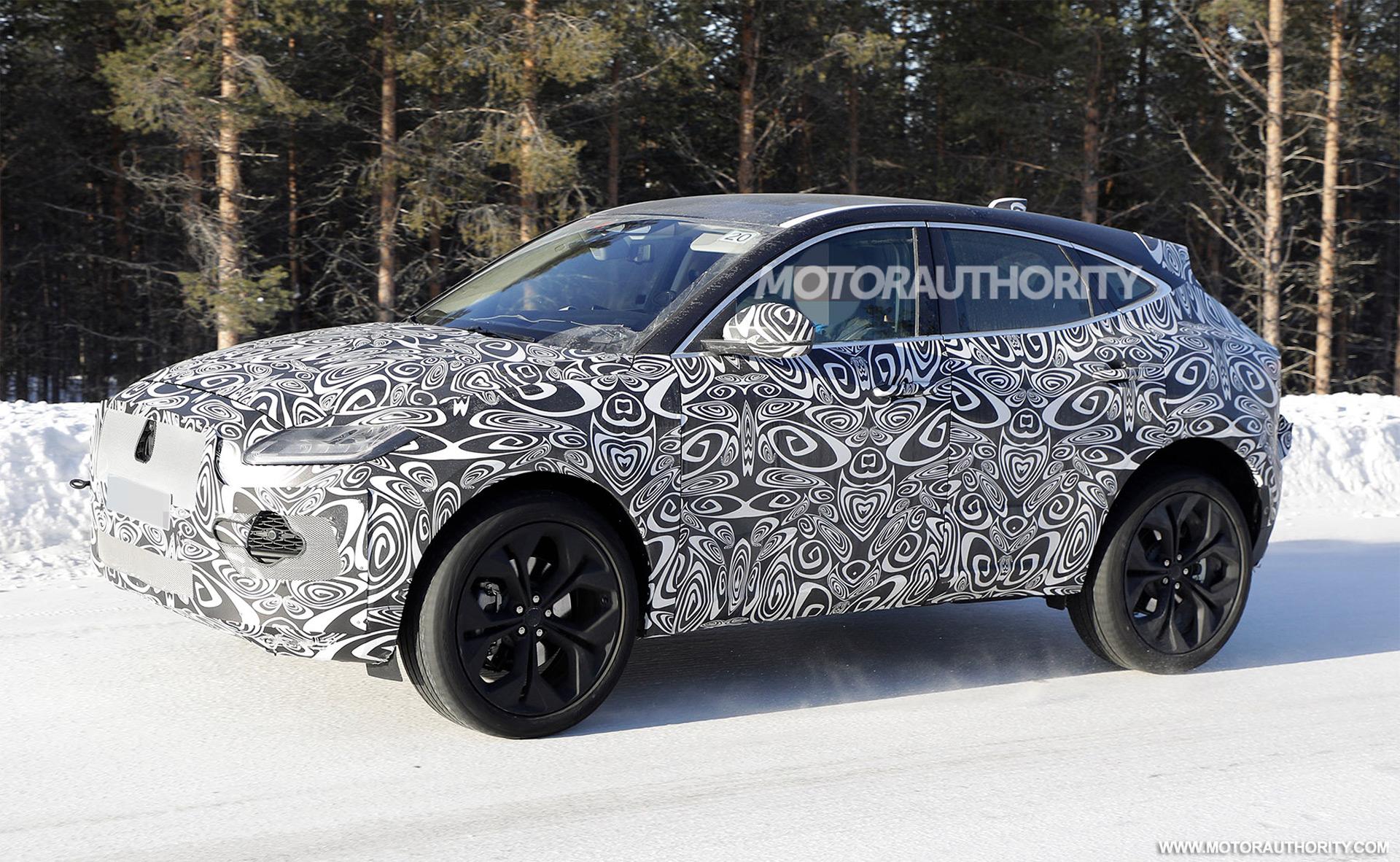 2017 - [Jaguar] E-Pace - Page 6 2021-jaguar-e-pace-facelift-spy-shots--photo-credit-s-baldauf-sb-medien_100737572_h