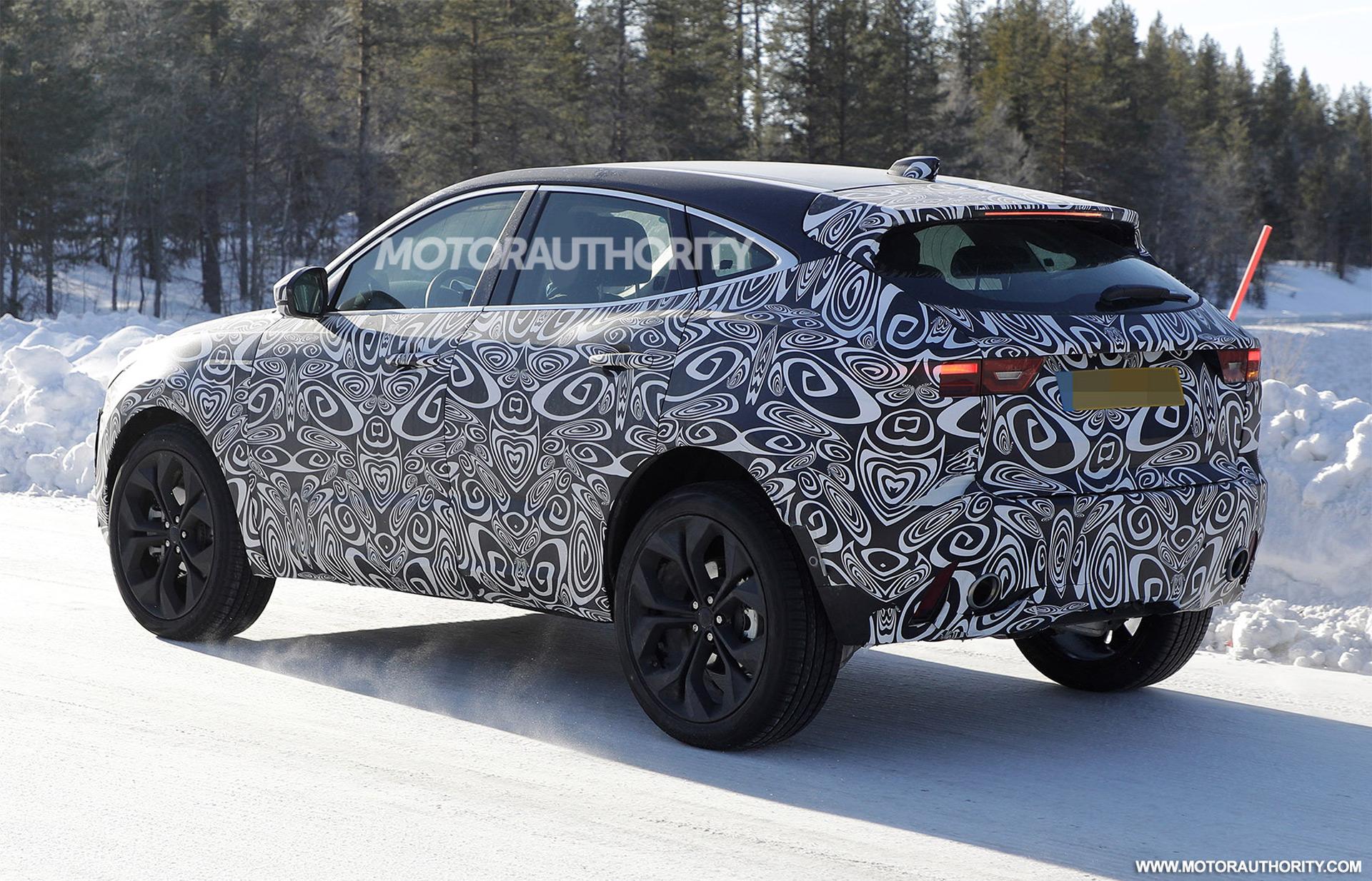 2017 - [Jaguar] E-Pace - Page 6 2021-jaguar-e-pace-facelift-spy-shots--photo-credit-s-baldauf-sb-medien_100737575_h