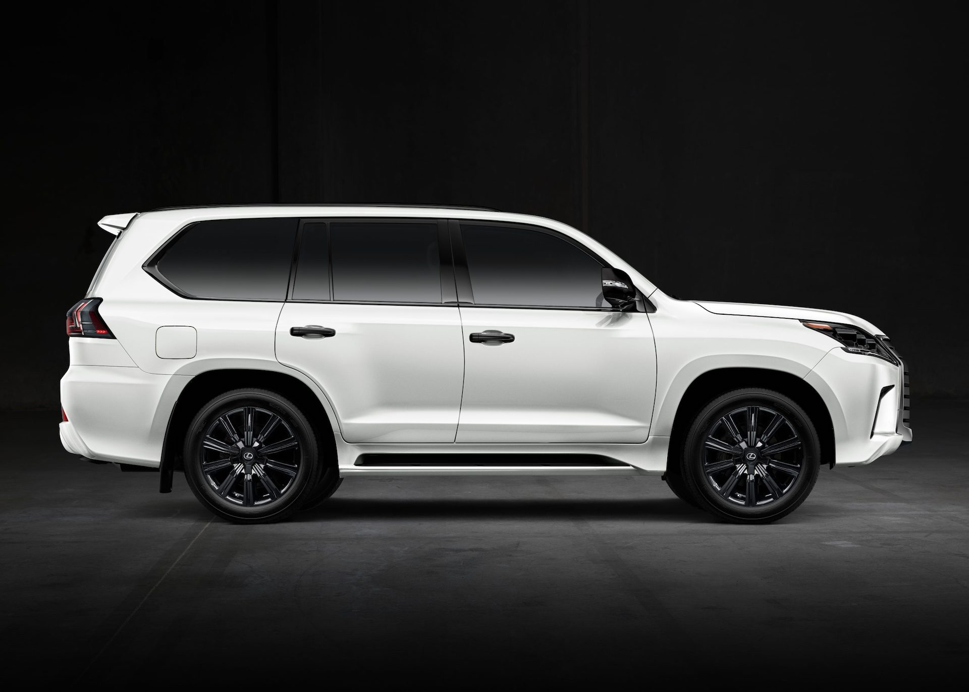 New And Used Lexus Lx Prices Photos Reviews Specs The Car Connection