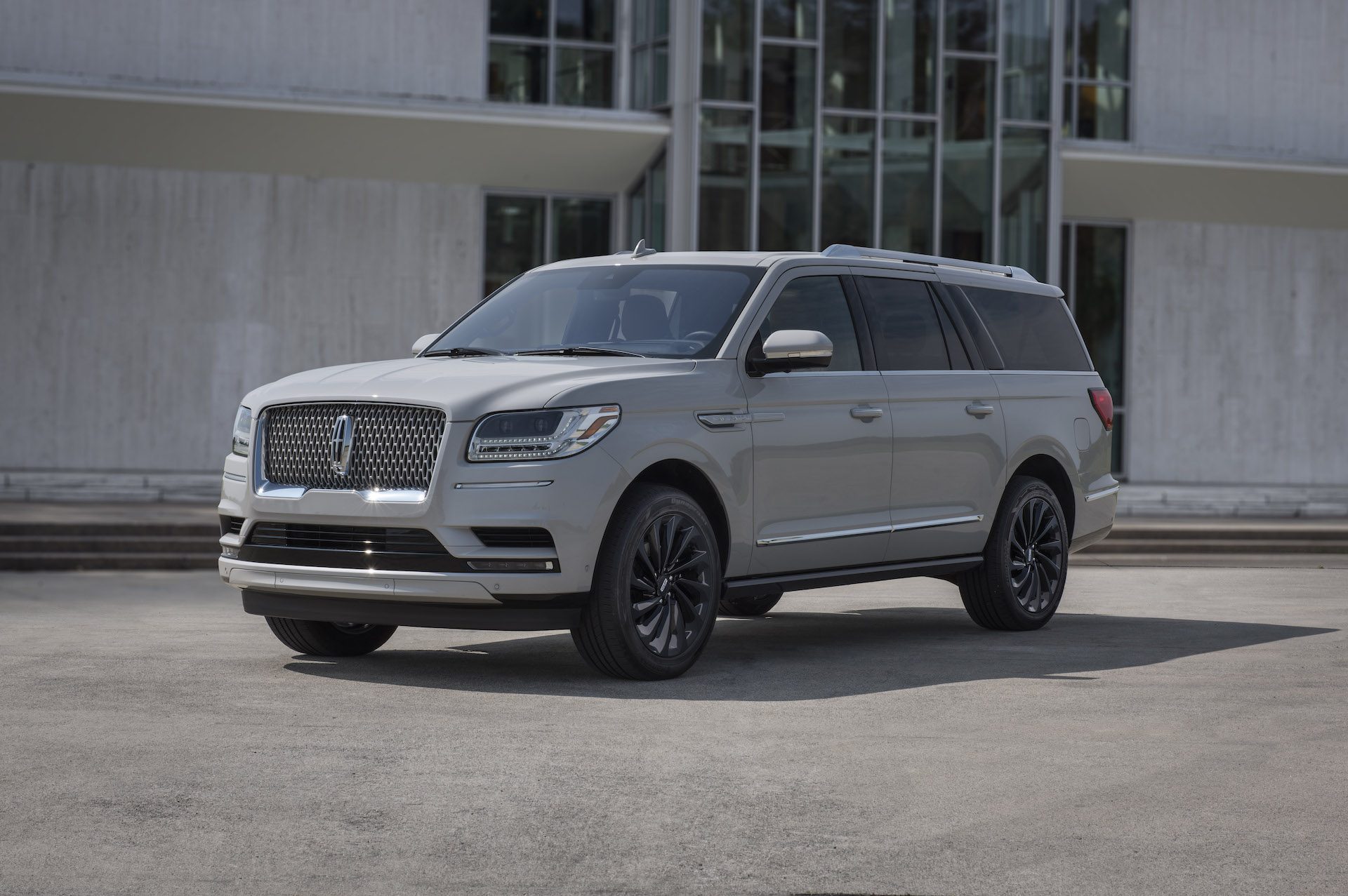 2021 Lincoln Navigator Review Ratings Specs Prices And Photos The Car Connection