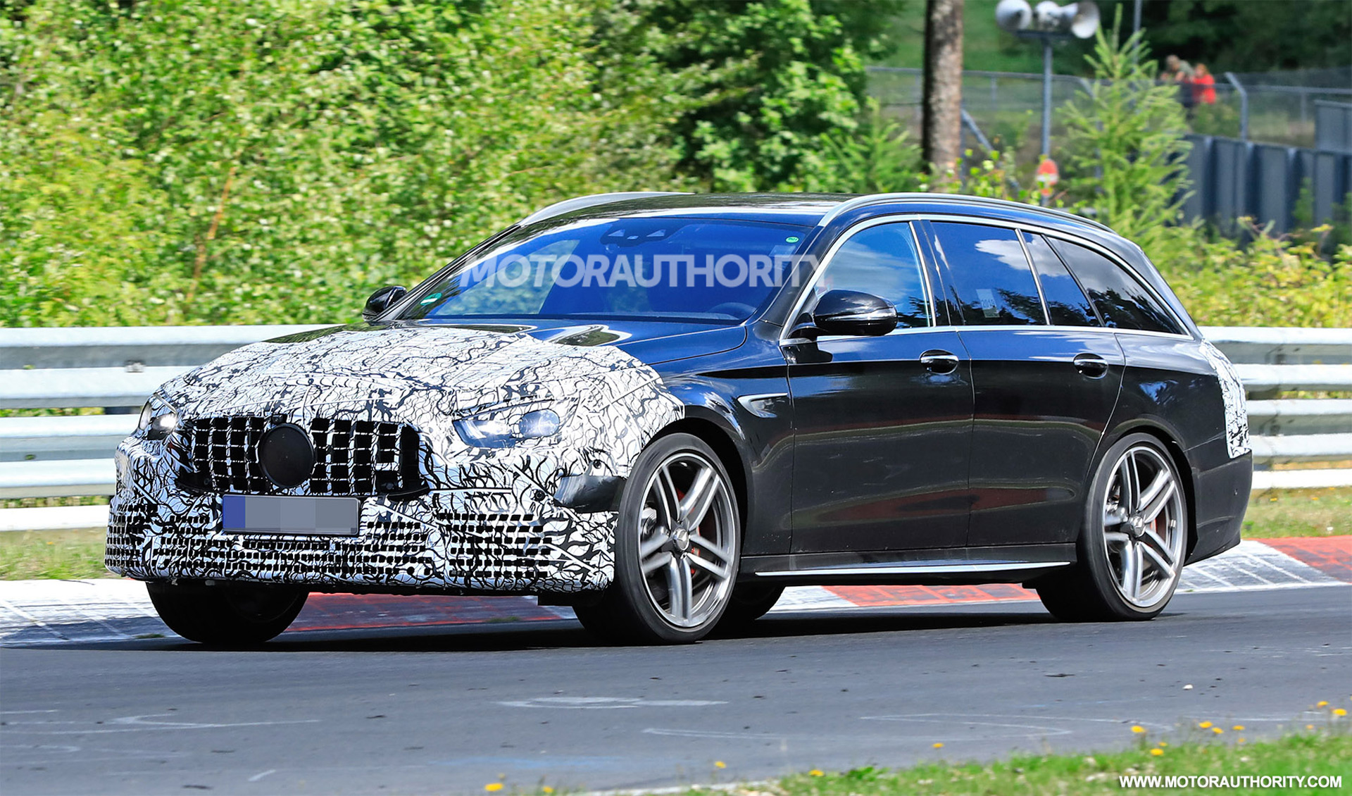 2020 - [Mercedes-Benz] Classe E restylée  - Page 2 2021-mercedes-amg-e63-wagon-facelift-spy-shots--photo-credit-s-baldauf-sb-medien_100711681_h