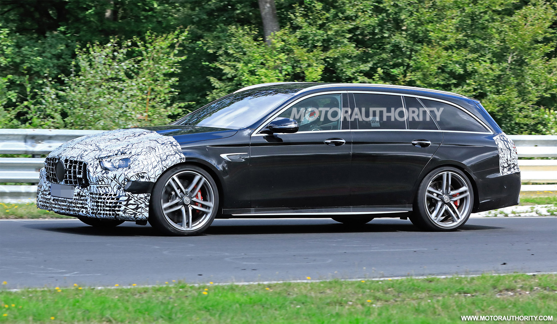 2020 - [Mercedes-Benz] Classe E restylée  - Page 2 2021-mercedes-amg-e63-wagon-facelift-spy-shots--photo-credit-s-baldauf-sb-medien_100711682_h