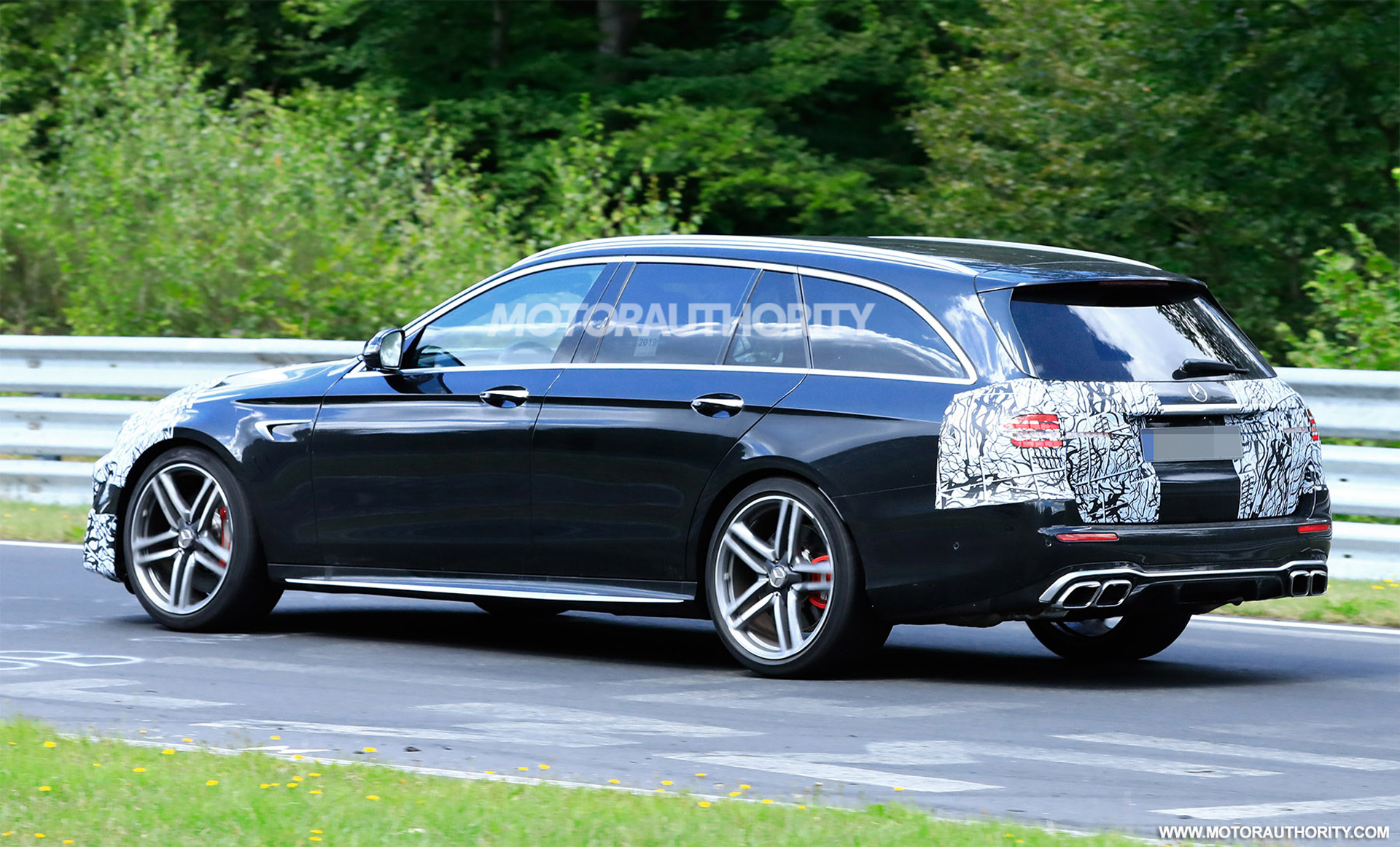 2020 - [Mercedes-Benz] Classe E restylée  - Page 2 2021-mercedes-amg-e63-wagon-facelift-spy-shots--photo-credit-s-baldauf-sb-medien_100711684_h
