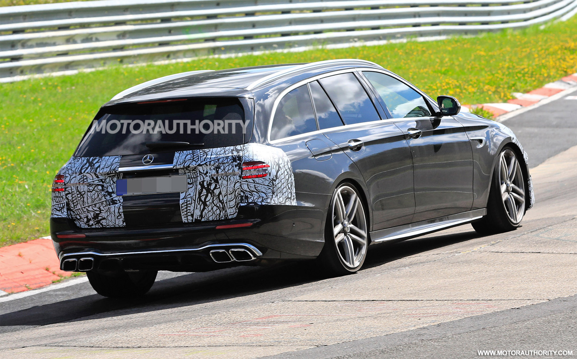 2020 - [Mercedes-Benz] Classe E restylée  - Page 2 2021-mercedes-amg-e63-wagon-facelift-spy-shots--photo-credit-s-baldauf-sb-medien_100711689_h