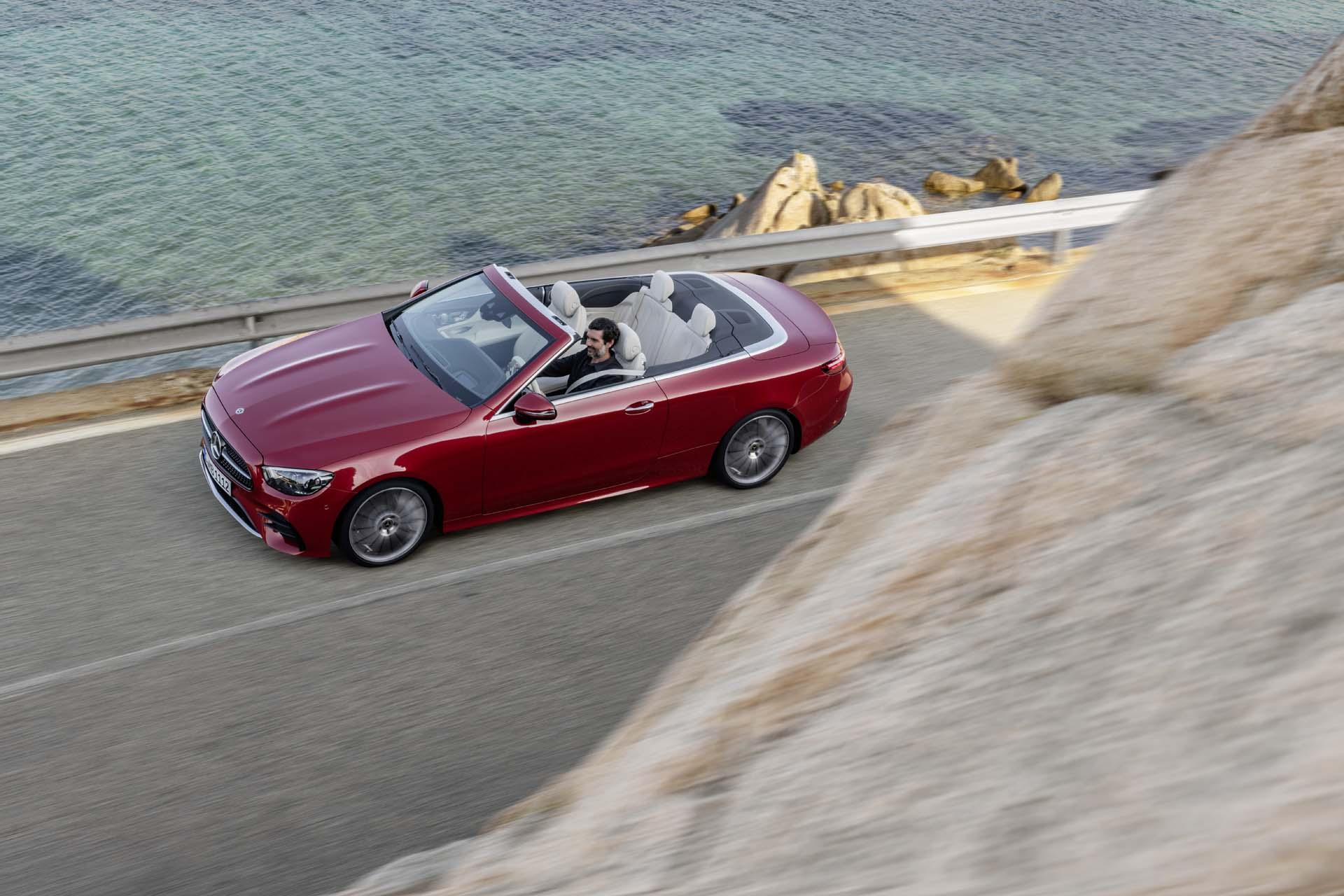 Xe mui trần Mercedes-Benz E450 2021