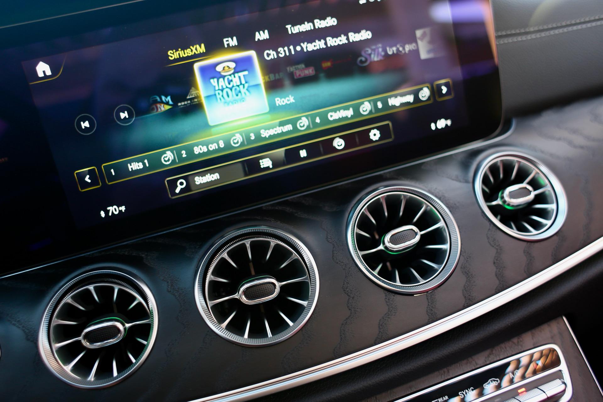 Mercedes-Benz E-Class Cabriolet 2021 (E450 4Matic)