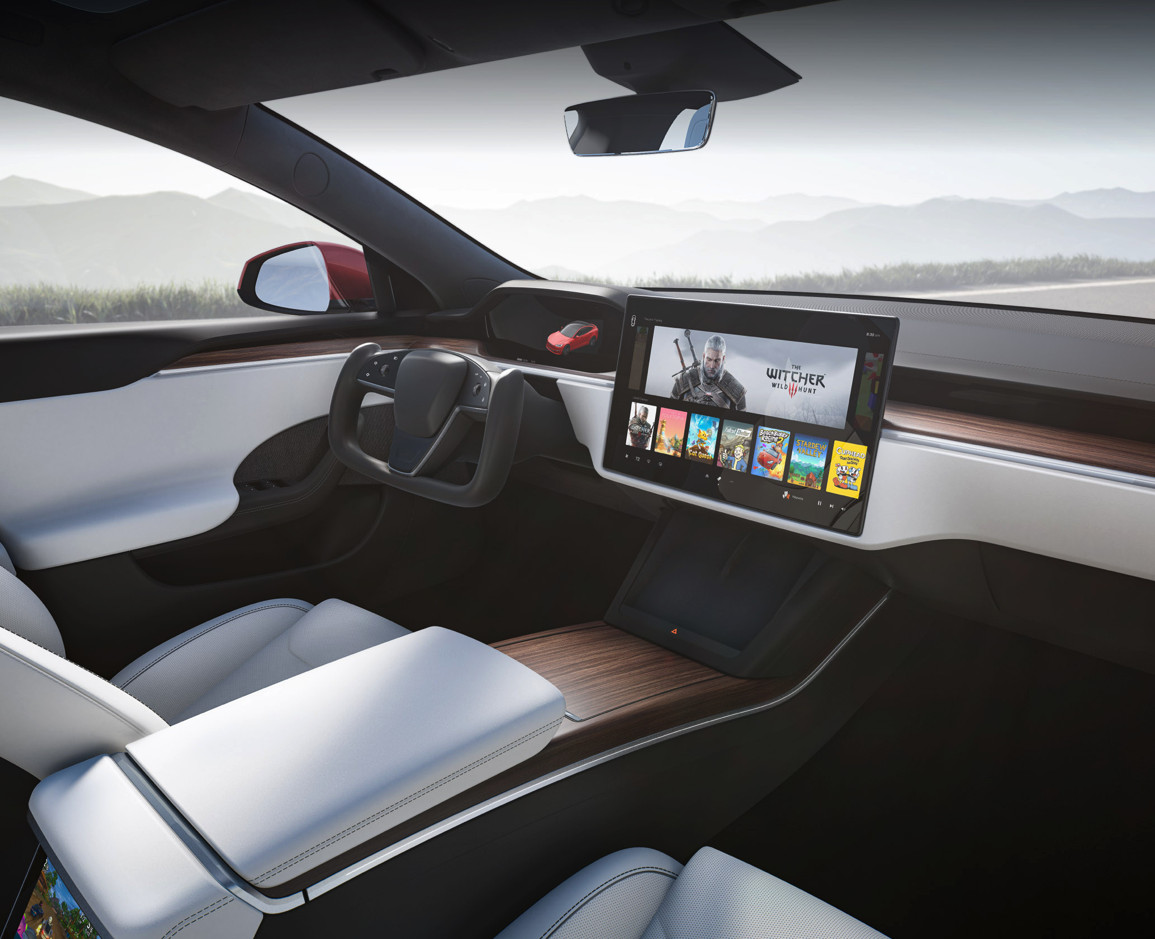 Tesla Model S steering yoke is a pain and possible safety concern, says Consumer Reports
