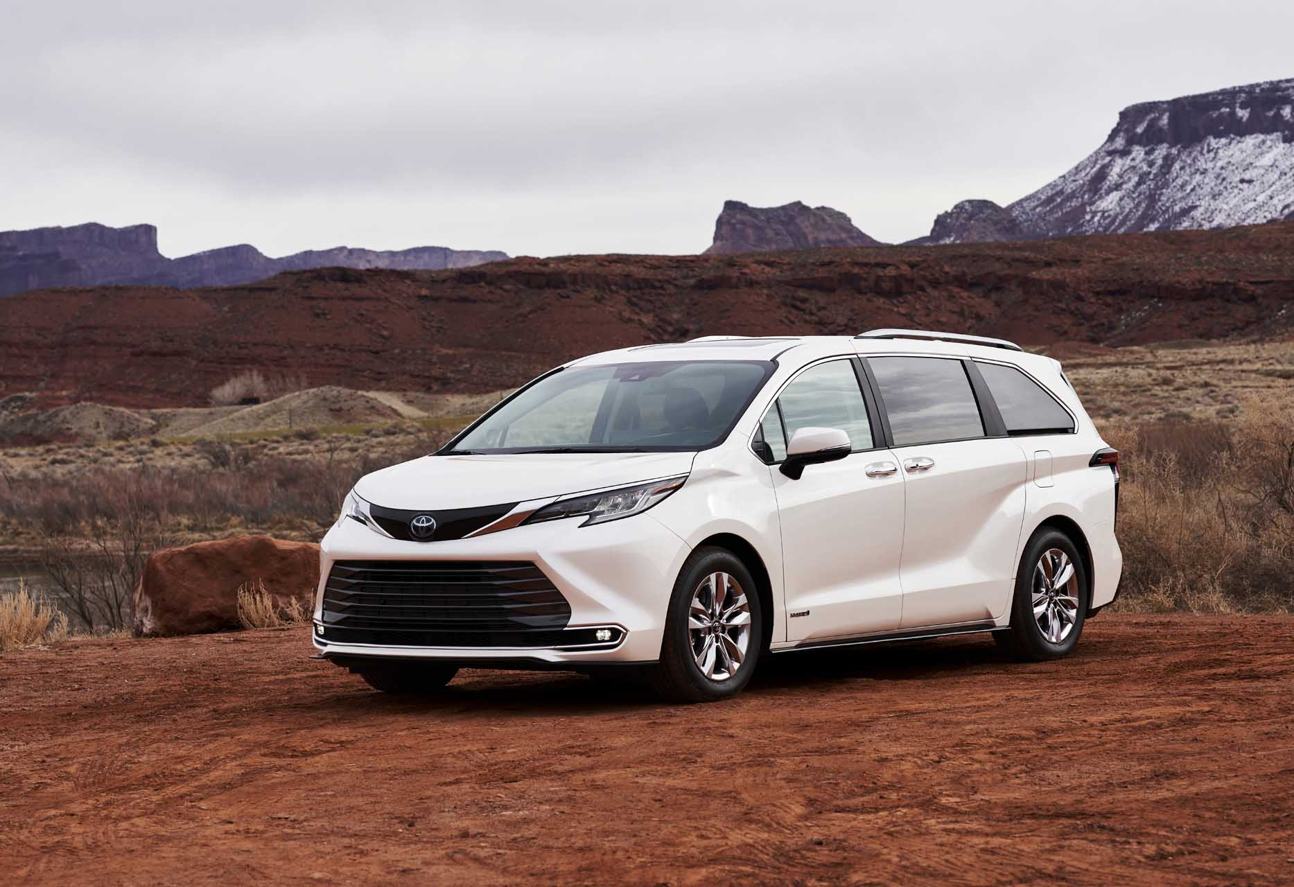 2021 Toyota Sienna Review, Ratings, Specs, Prices, and Photos