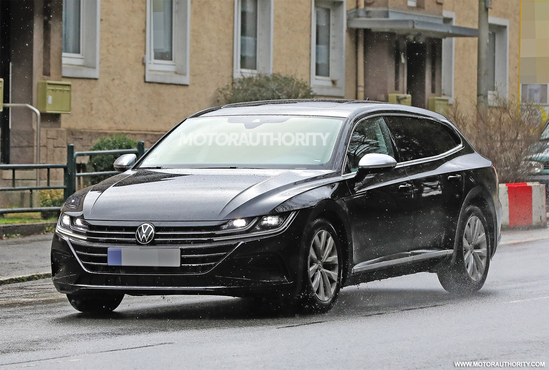 2021 volkswagen arteon shooting brake spy shots and video