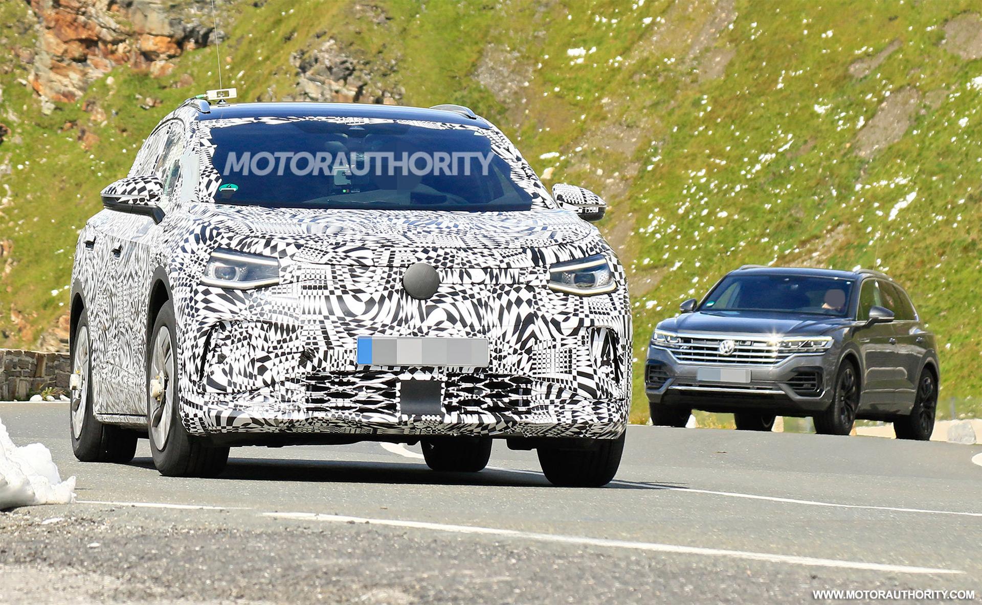 VW ID Crozz Electric Crossover SUV: Design, Release >> 2021 Volkswagen Id 4 Crozz Spy Shots