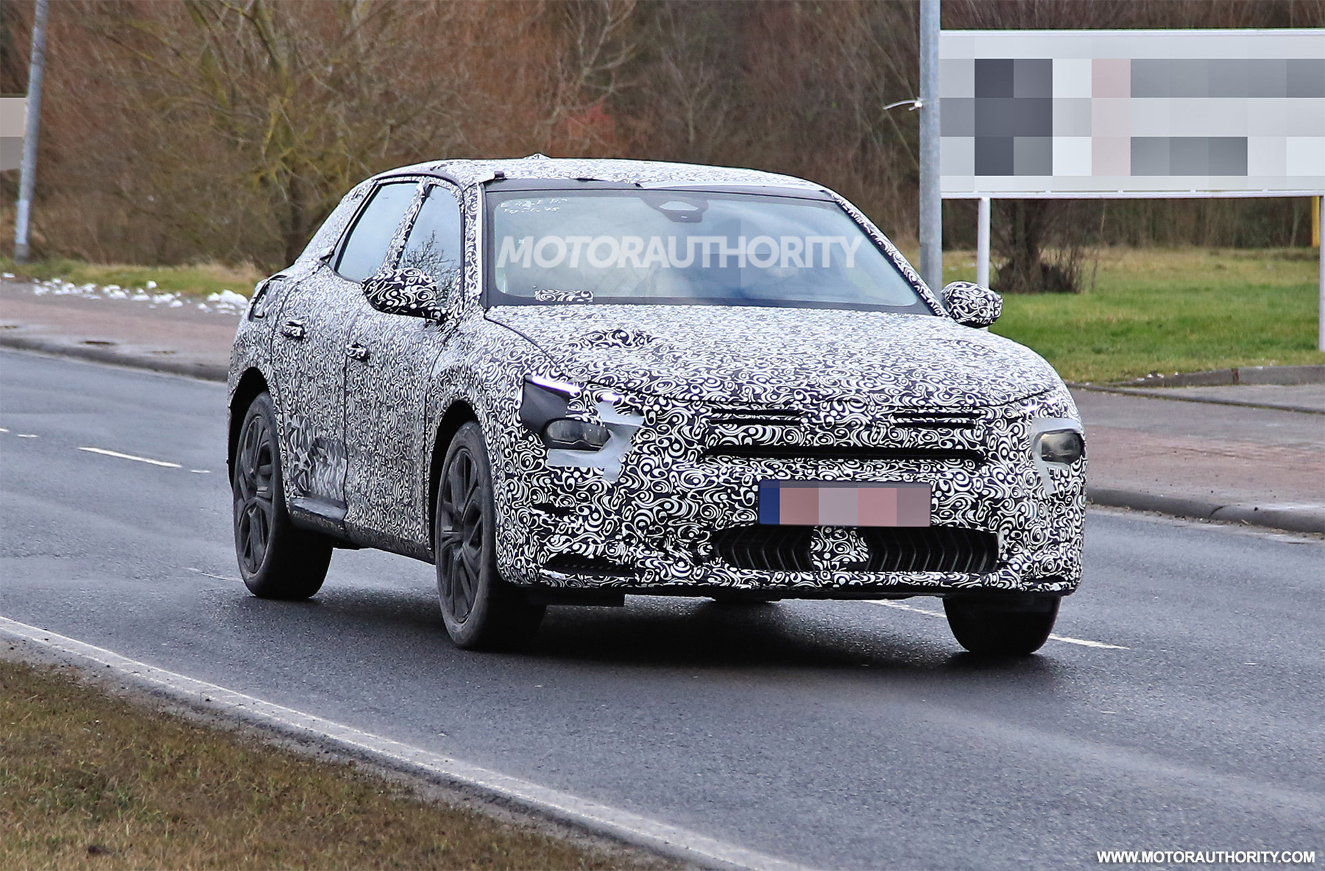 2022 Citroen C5 replacement spy shots: French brand's new flagship takes shape