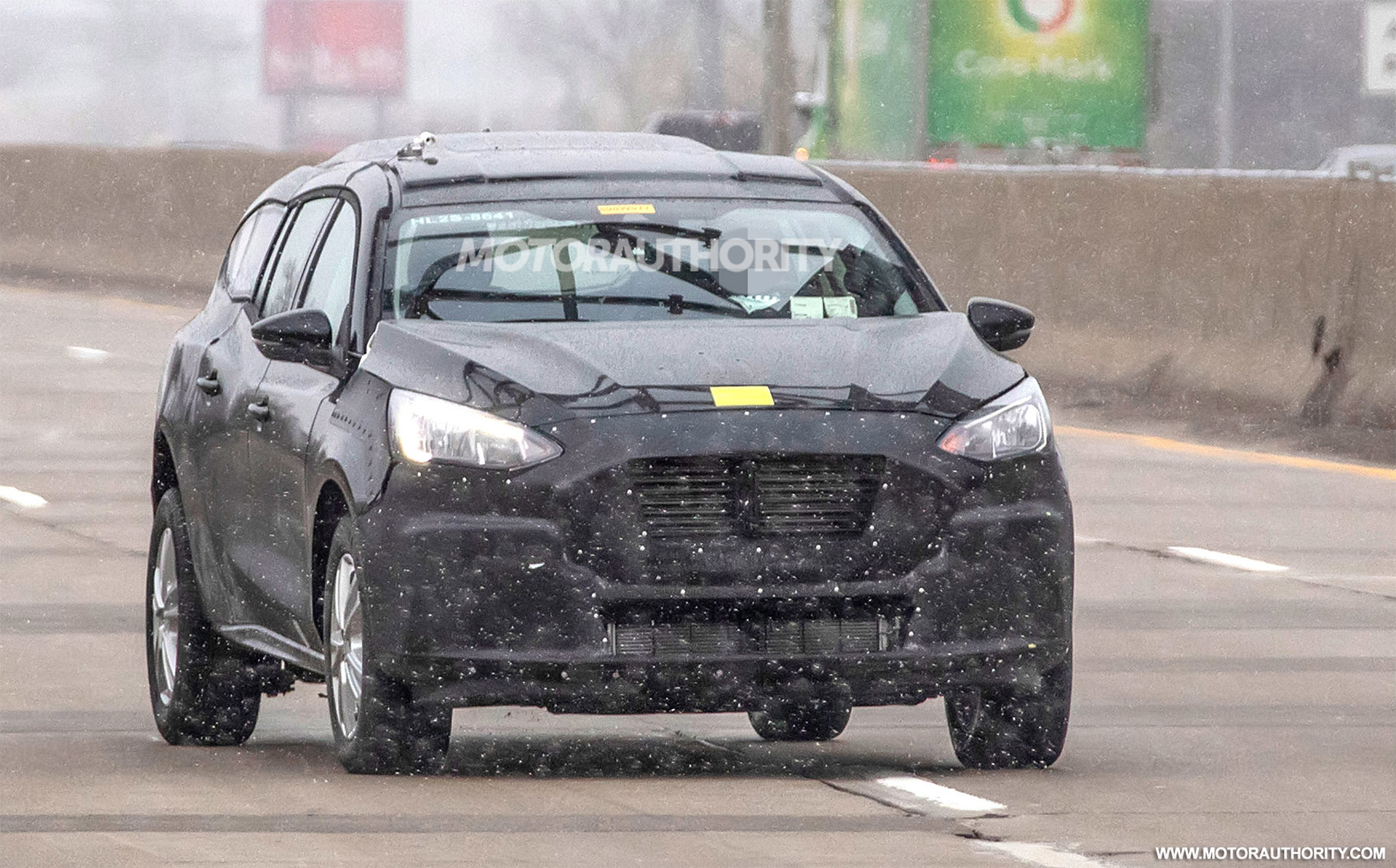 3 Ford Transit Connect spy shots