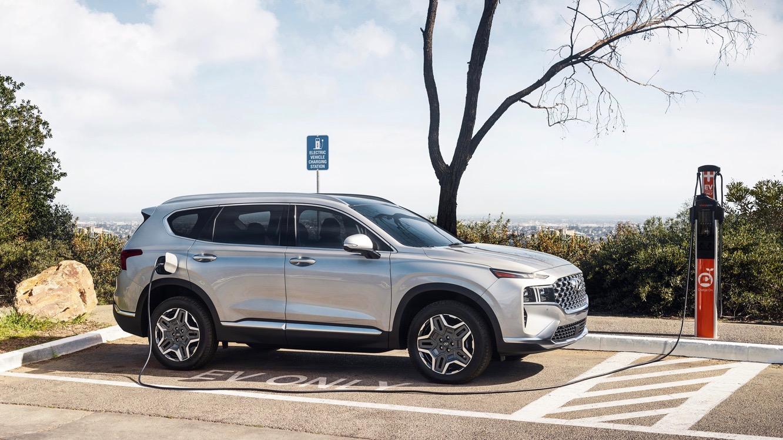 2022 Hyundai Santa Fe Plug-In Hybrid rated at 31 electric miles, 33 mpg
