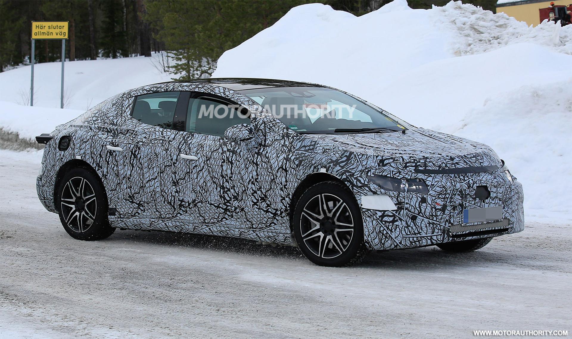 2021 - [Mercedes-Benz] EQE 2022-mercedes-benz-eqe-spy-shots--photo-credits-baldauf-sb-medien_100739529_h