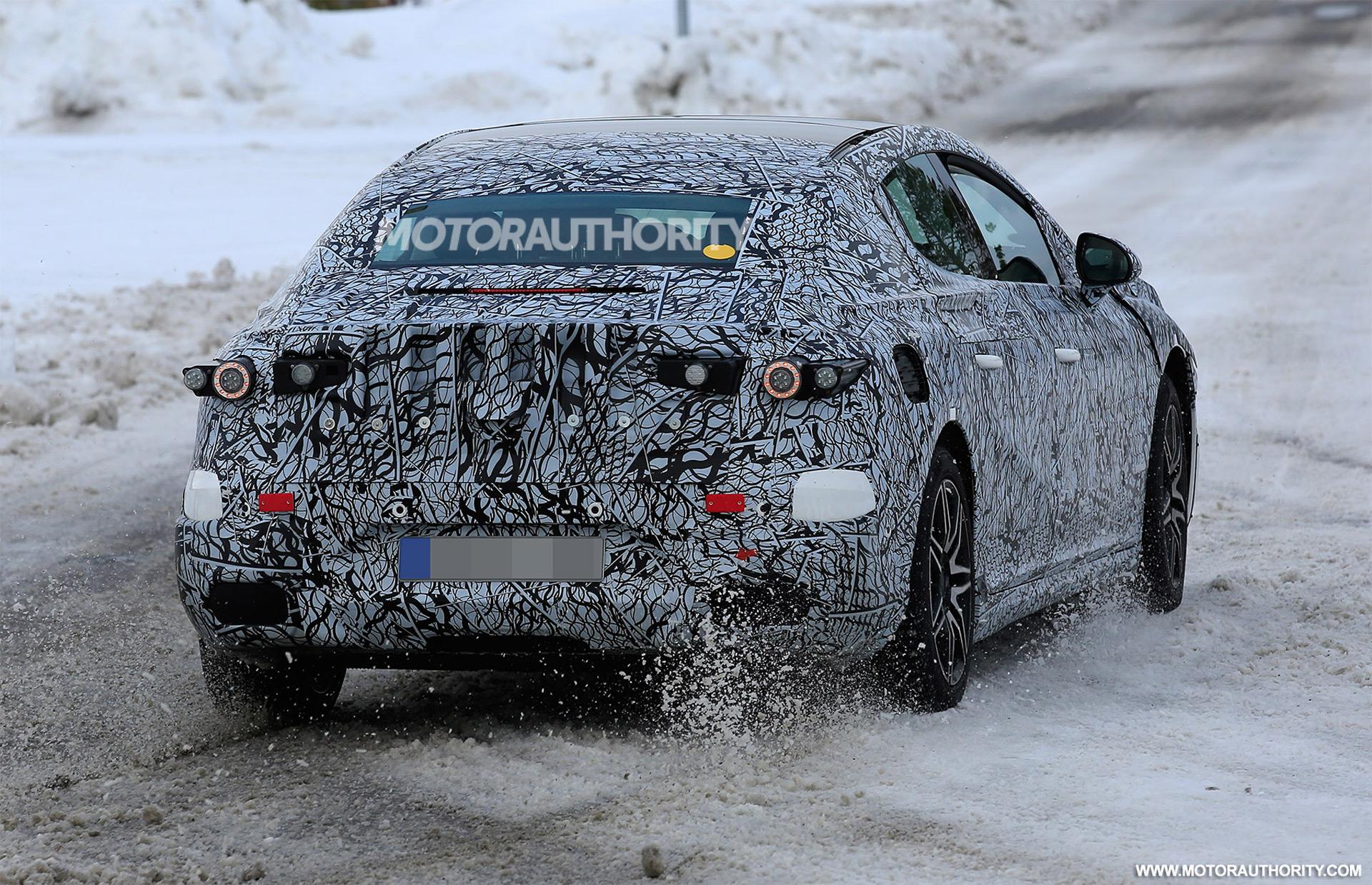 2021 - [Mercedes-Benz] EQE 2022-mercedes-benz-eqe-spy-shots--photo-credits-baldauf-sb-medien_100739537_h