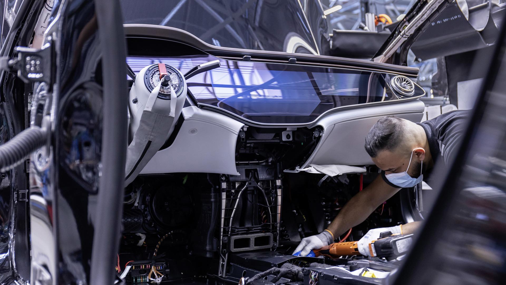 2022 Mercedes-Benz EQS sản xuất tại nhà máy ở Sindelfingen, Đức