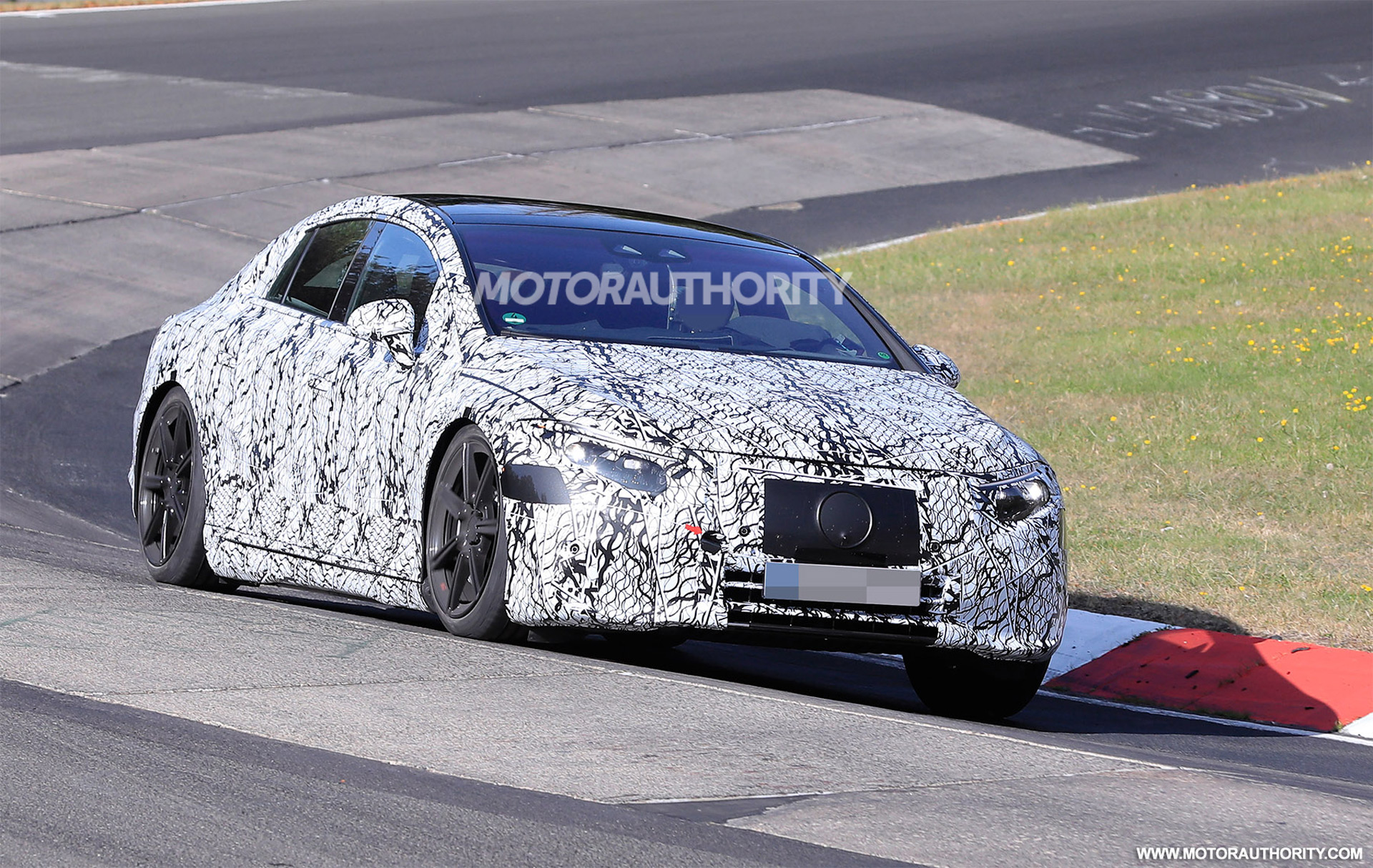 2022 Mercedes-Benz EQS spy shots: Electric sedan's interior spotted