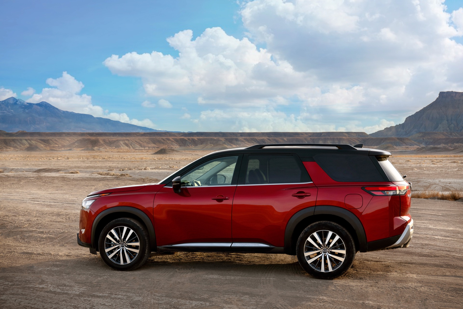 2022 Nissan Pathfinder Review Ratings Specs Prices And Photos The Car Connection