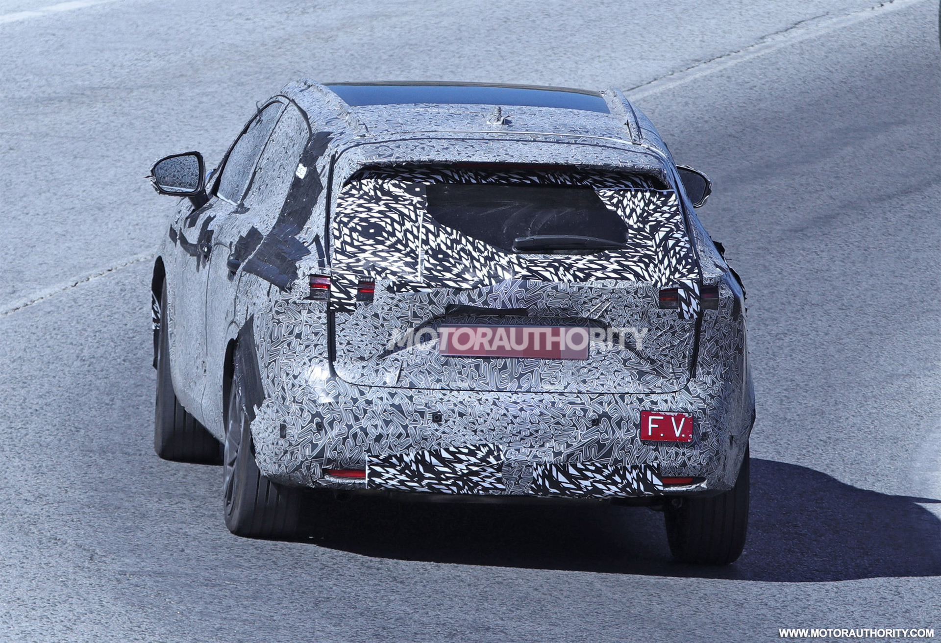2020 - [Nissan] Qashqai III - Page 3 2022-nissan-rogue-sport-spy-shots--photo-credits-baldauf-sb-medien_100756082_h