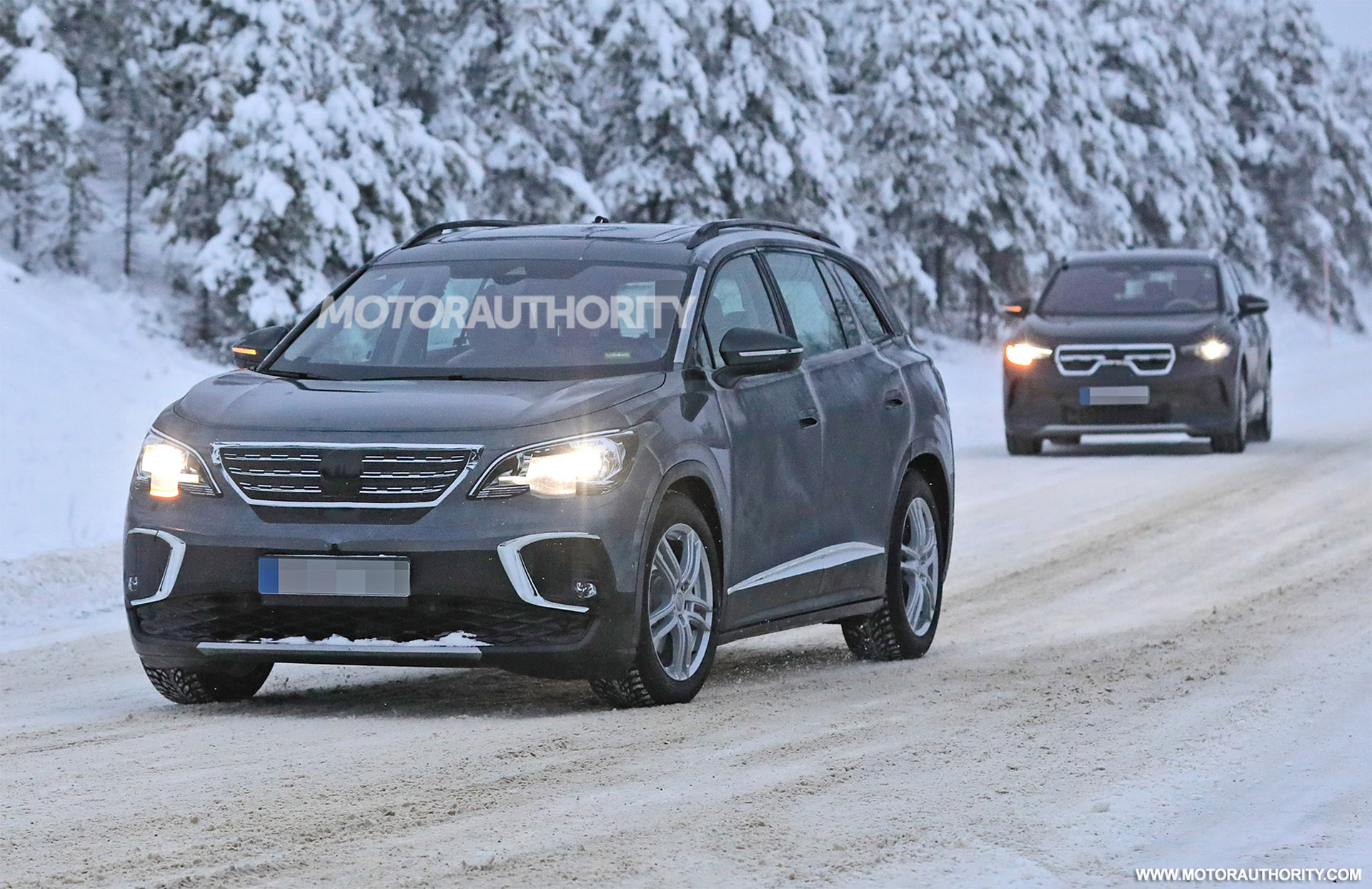 2022 Volkswagen ID.6 X spy shots: 7-seat electric crossover for Chinese market spotted