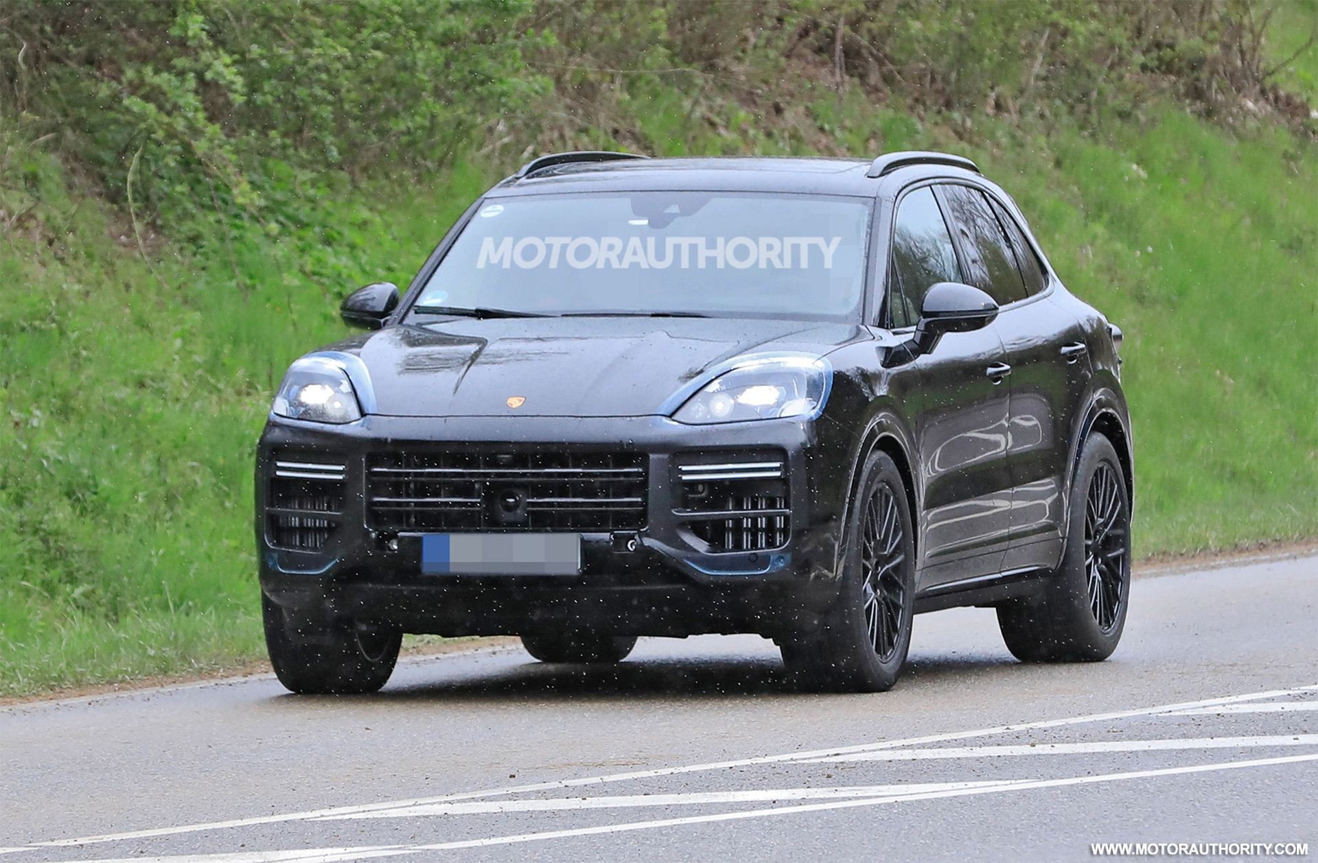 2023 Porsche Cayenne spy shots and video: Major update pegged for performance crossover