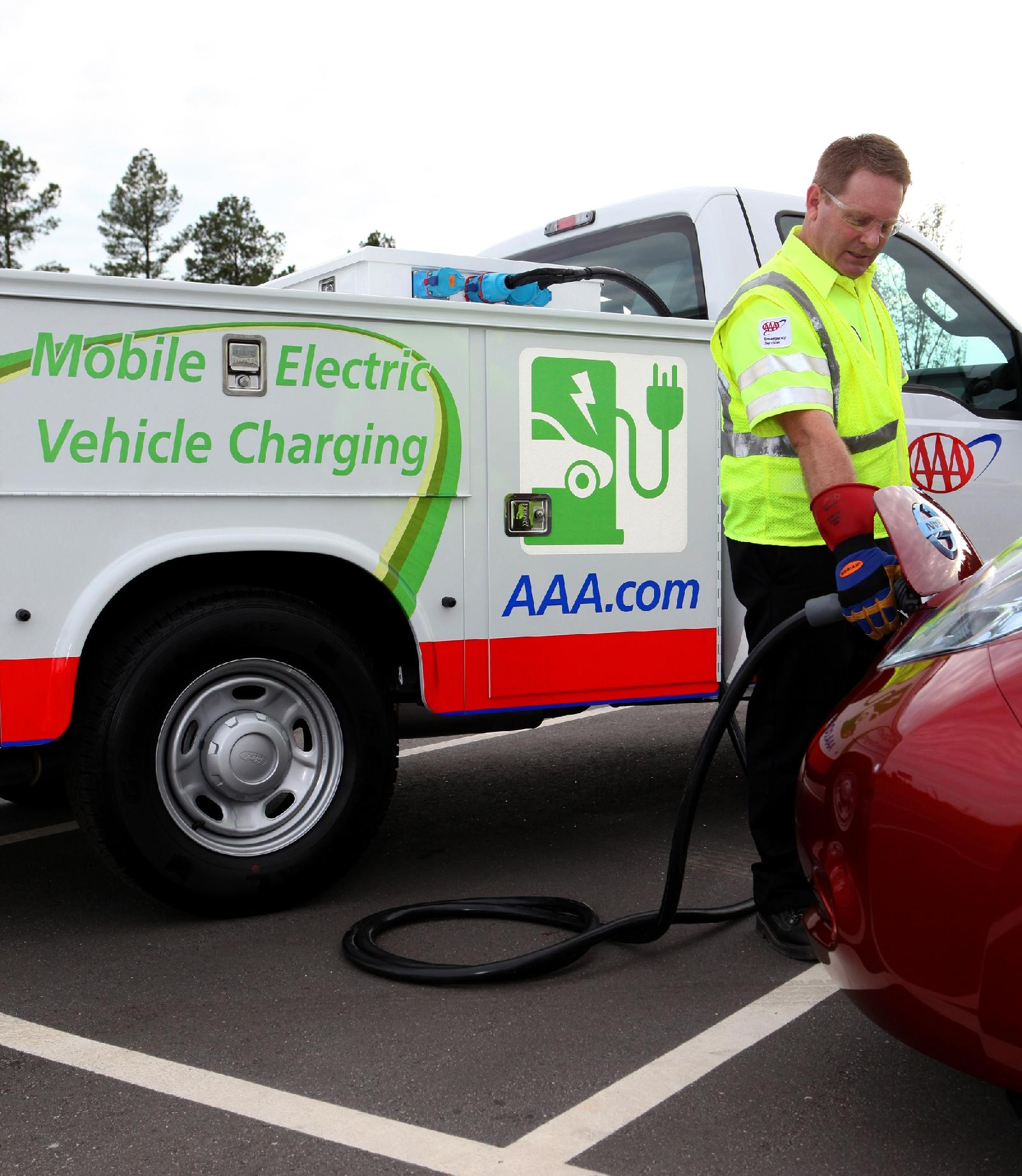 Aaa Car Service >> Your Electric Car Out Of Juice? AAA Tests Roadside Recharging