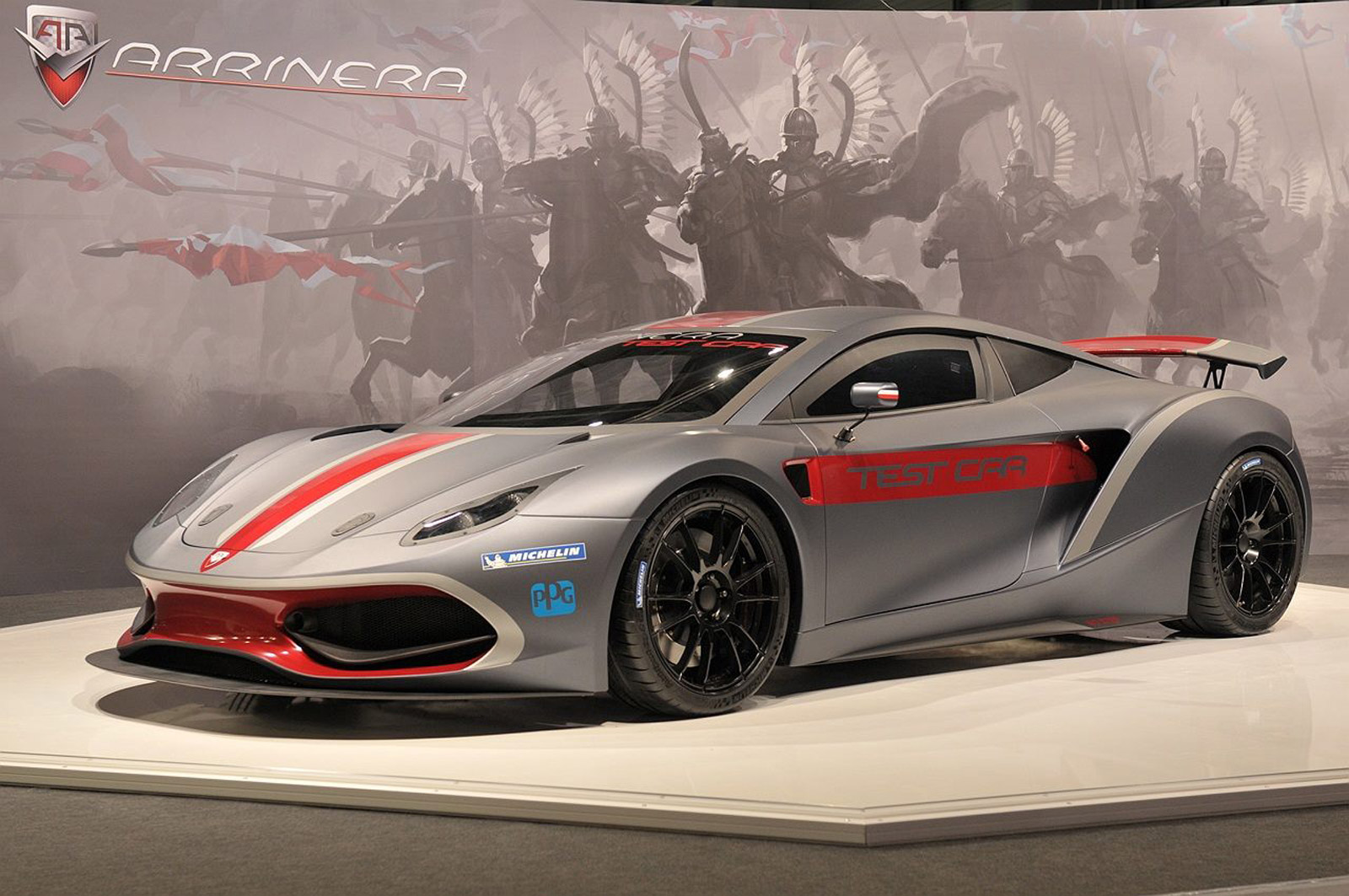 Poland S Arrinera Hussarya Supercar Makes Auto Show Debut