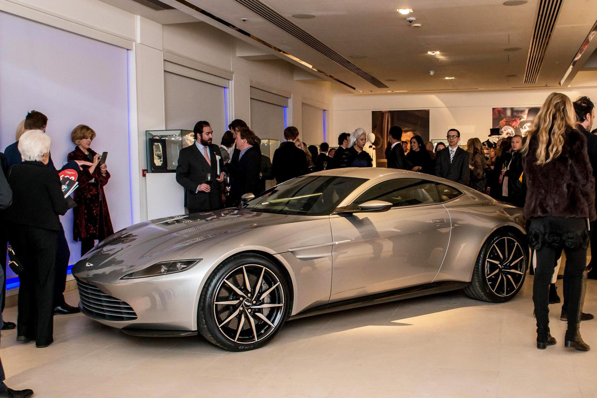 Mystery Buyer Bids 3 5 Million For Aston Martin Db10