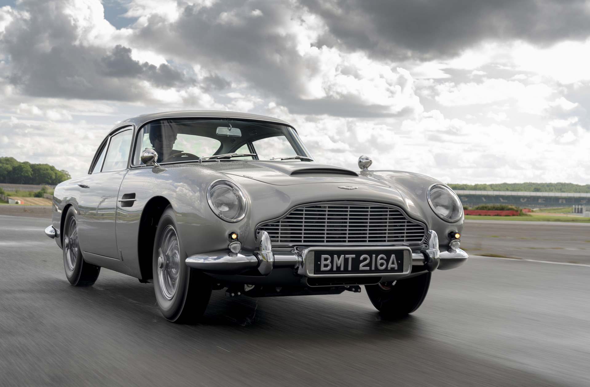 Aston Martin Starts Delivery Of Goldfinger Db5 Continuation Cars