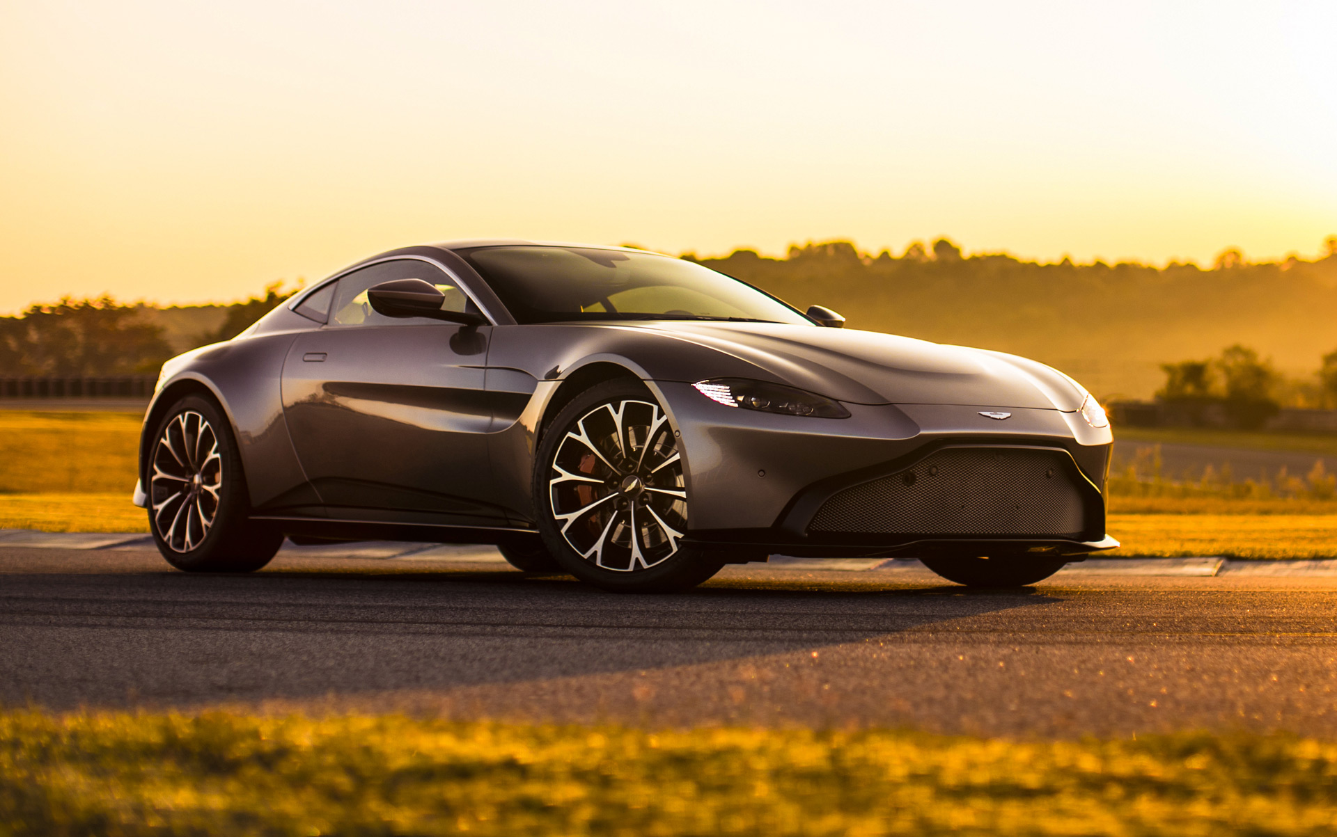 2019 Aston Martin Vantage almost sold out for first ...