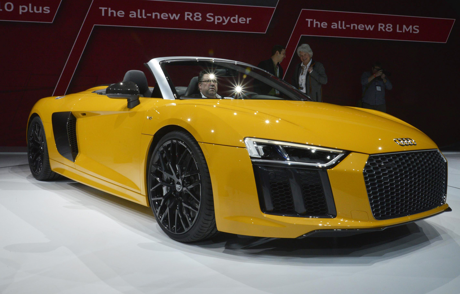 2017 Audi R8 V10 Spyder Priced From 176350 V 10 Soundtrack Standard