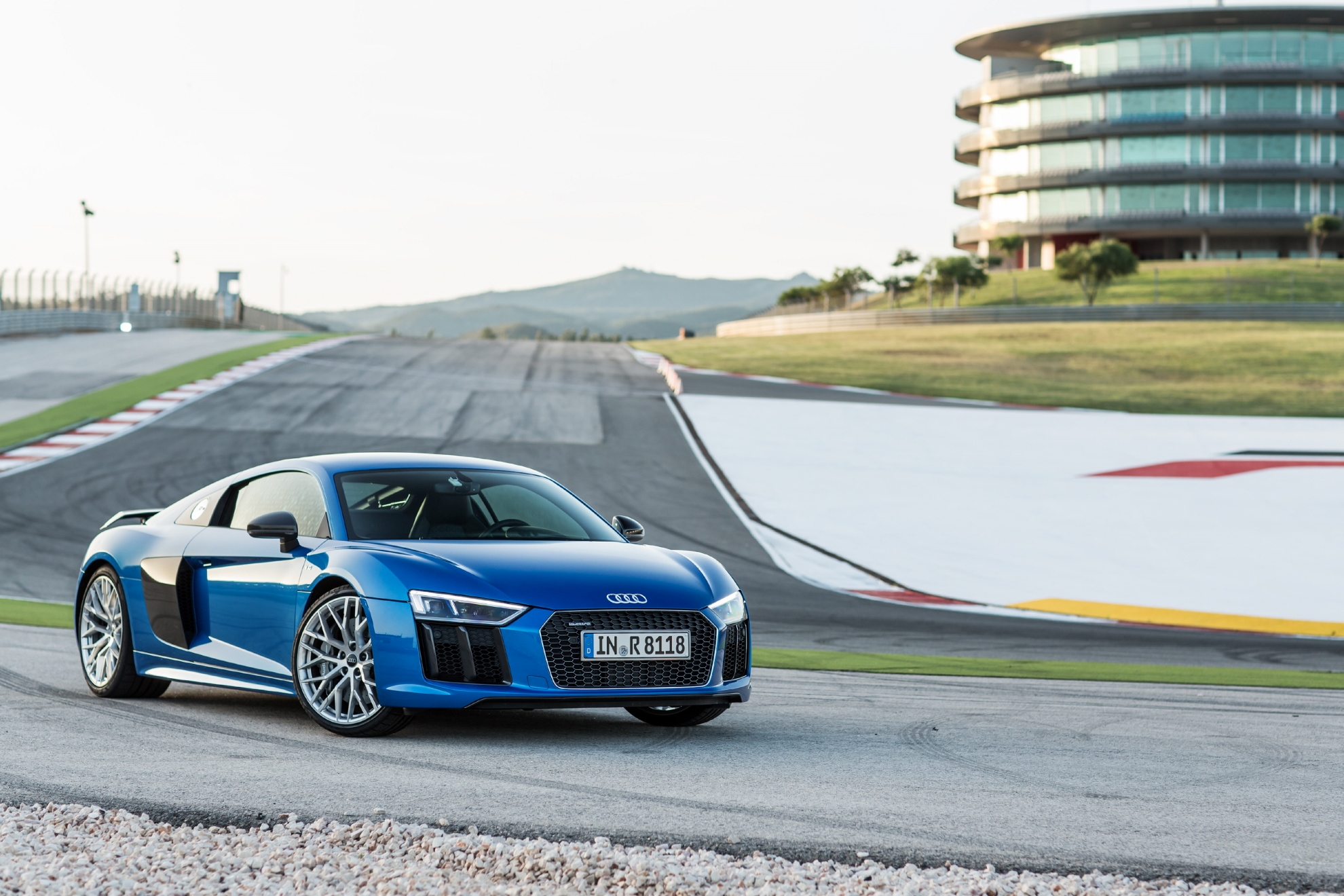 2017 audi r8 first drive review