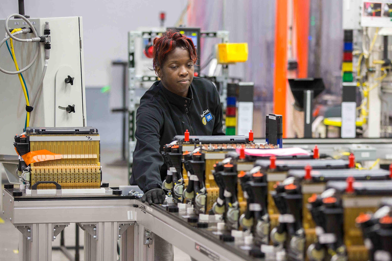 GM, Honda partner on next-generation electric-car batteries