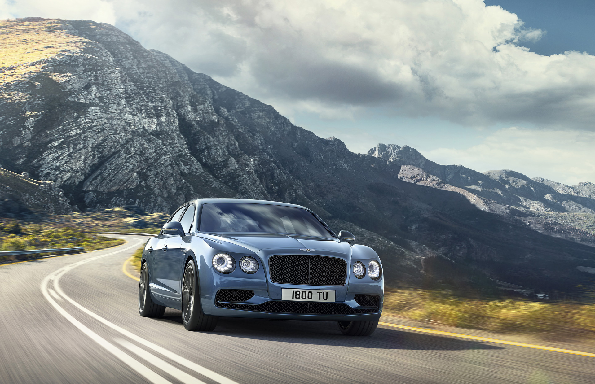 71bd4b4c50 Flying Spur W12 S is first Bentley 4-door to exceed 200 mph