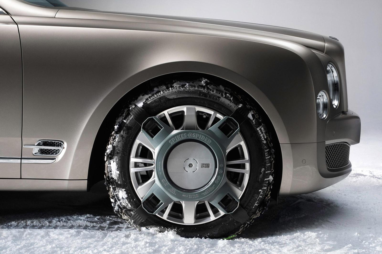 Mercedes-Benz E-Class: Snow chains