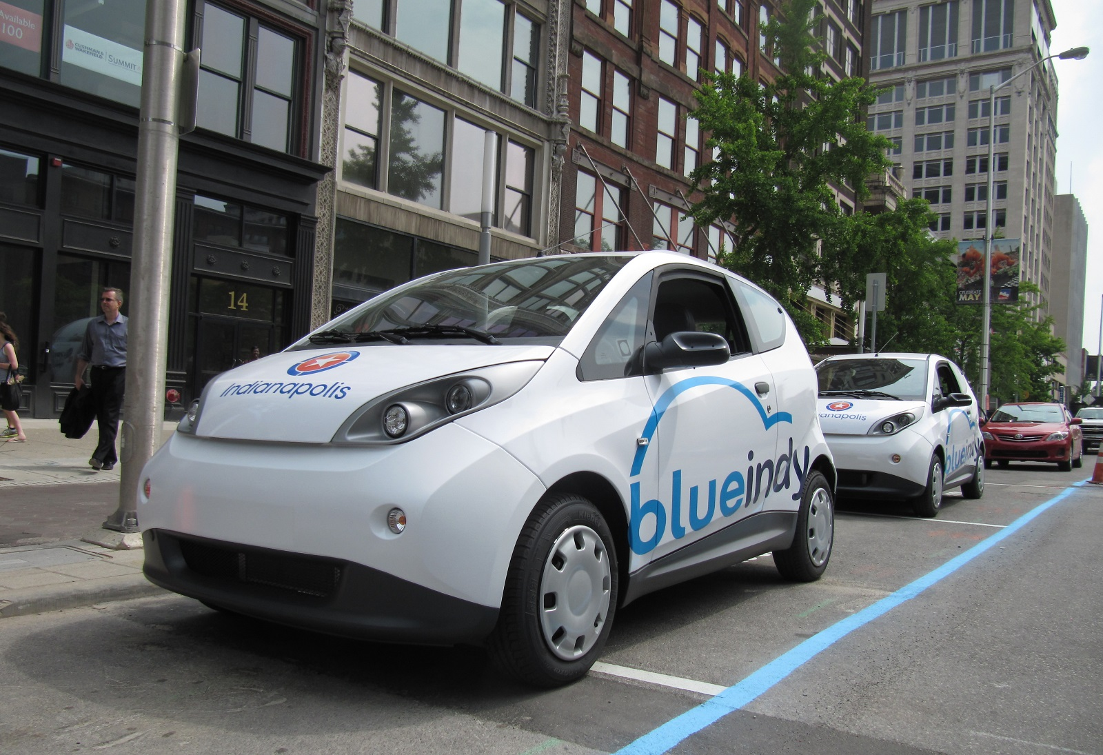 Electric cars from BlueIndy car sharing now face the crusher