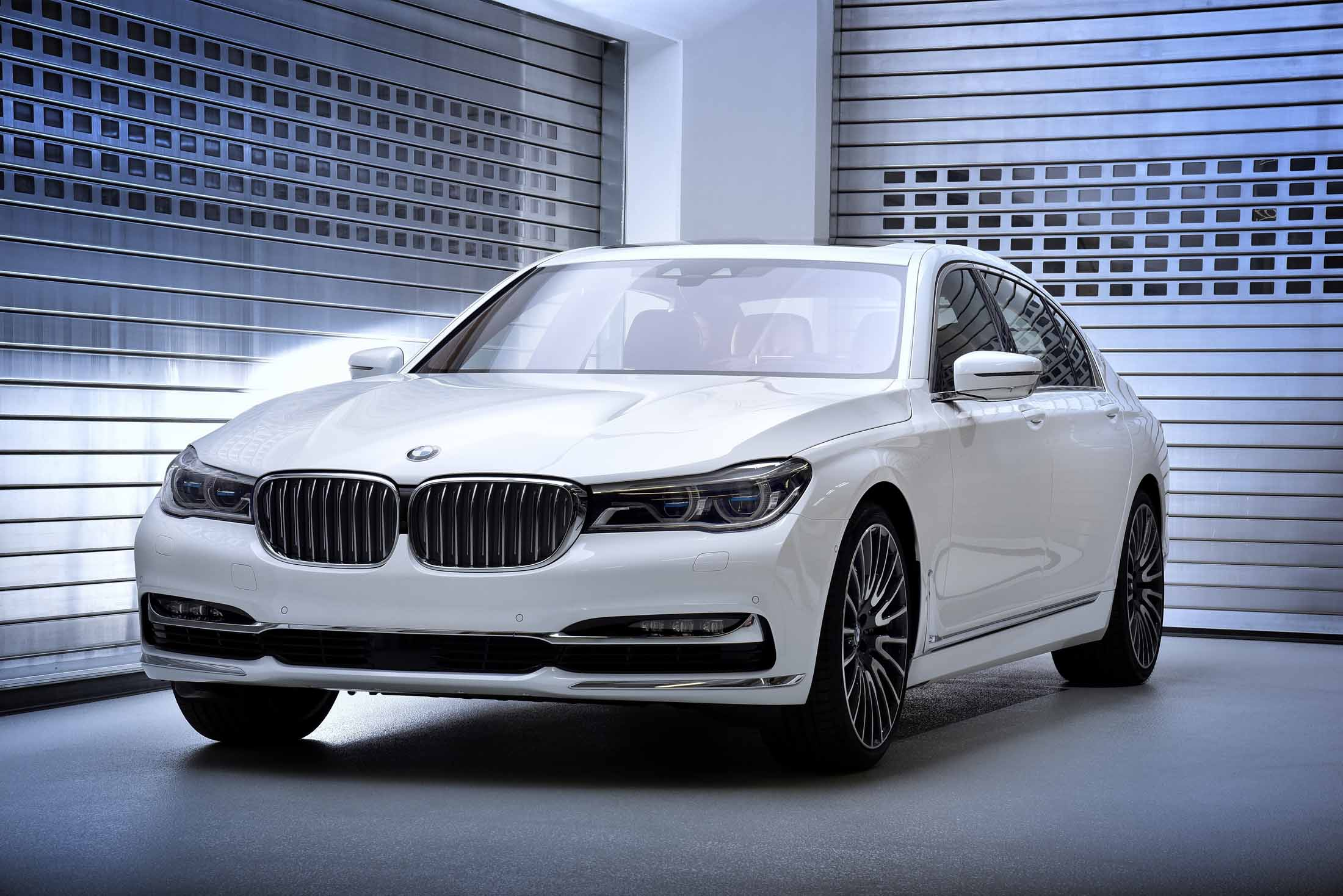 BMW Debuts New Exclusive 7 Series Editions