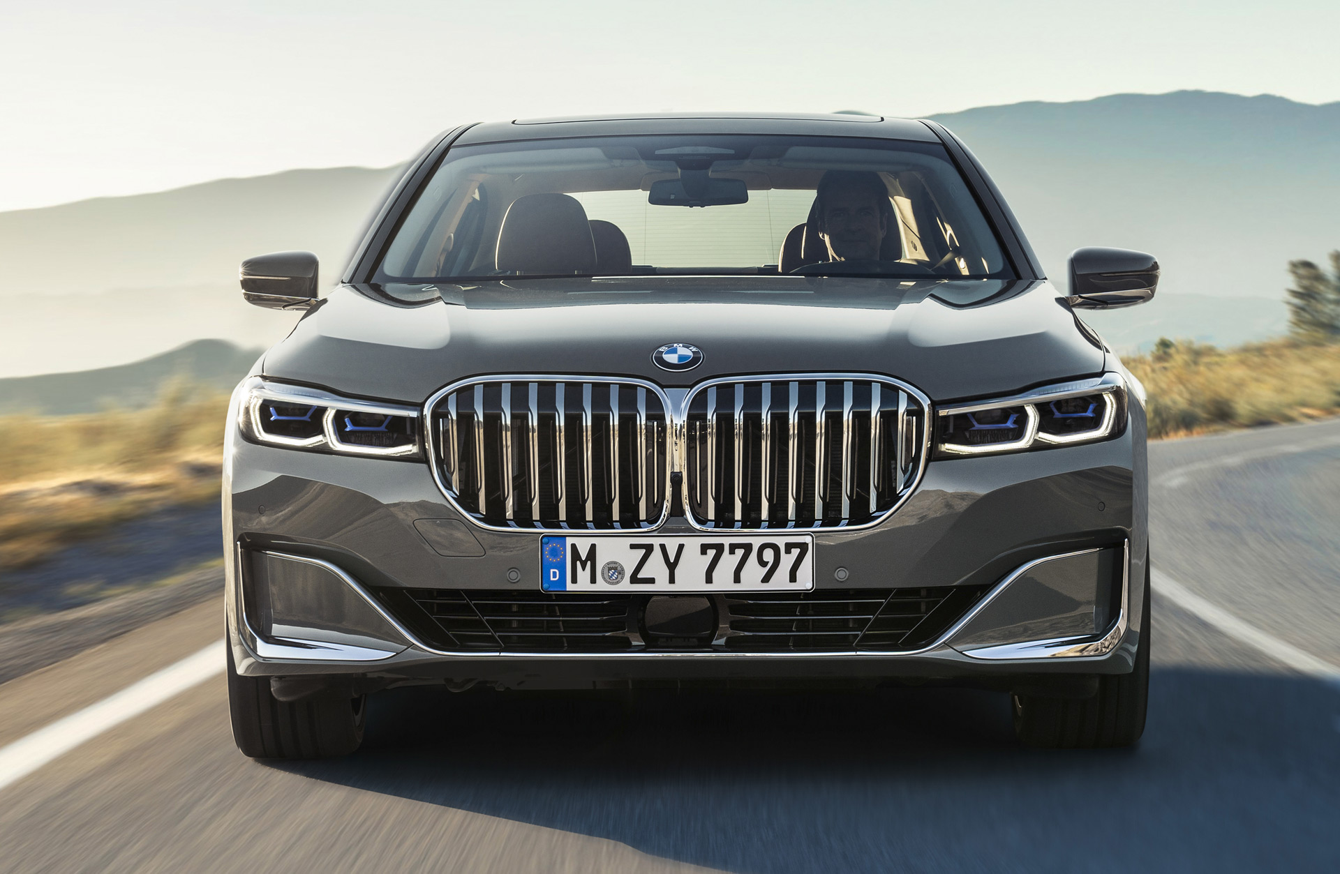 Got grille? 2020 BMW 7-Series debuts with massive maw