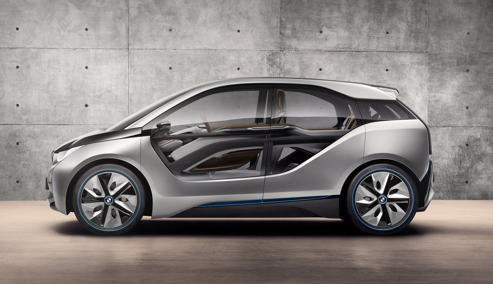 bmw i4 concept electric coupe to appear at la show  report