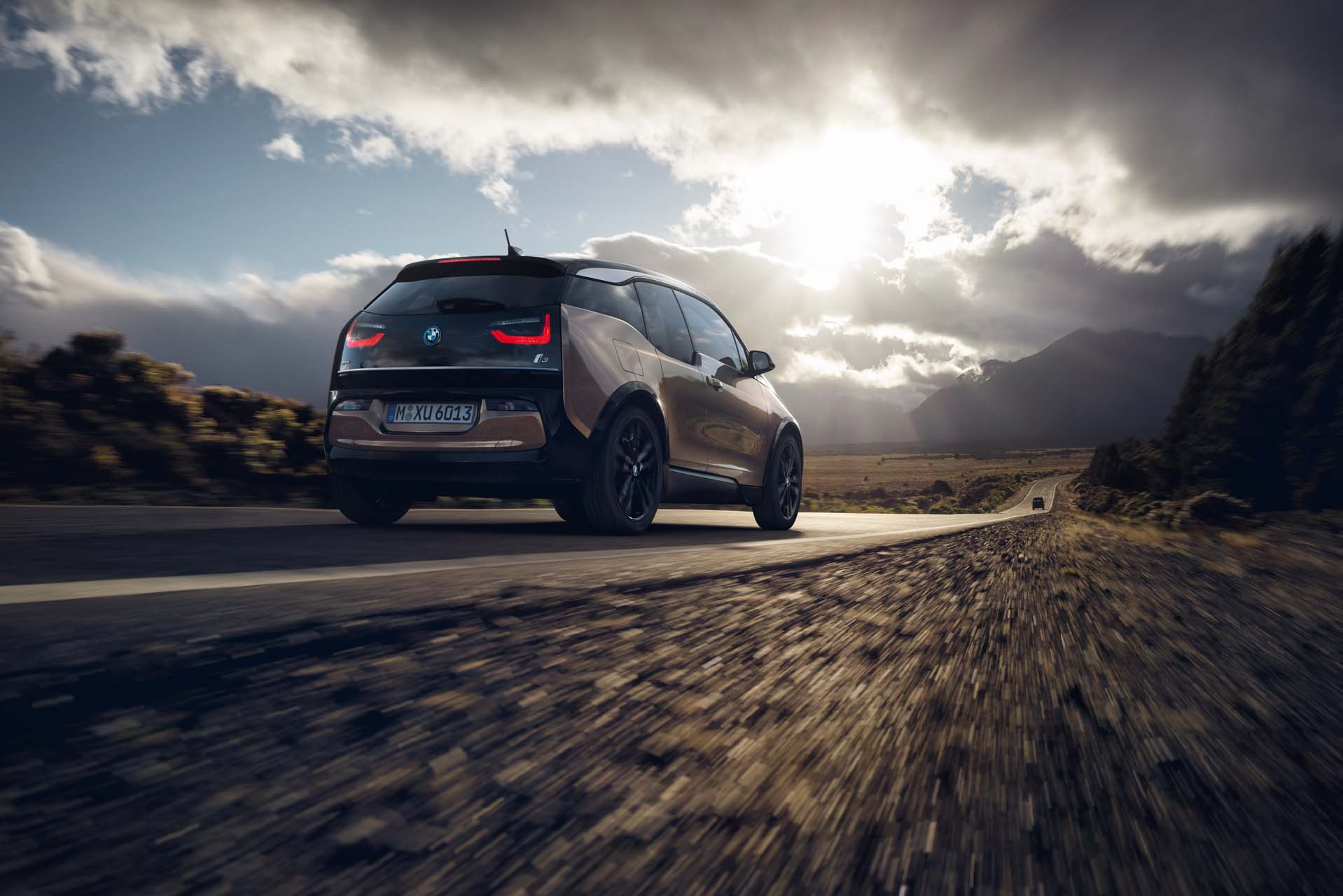 Tesla Sued 2019 Bmw I3 Epa To Scrap Science Office And