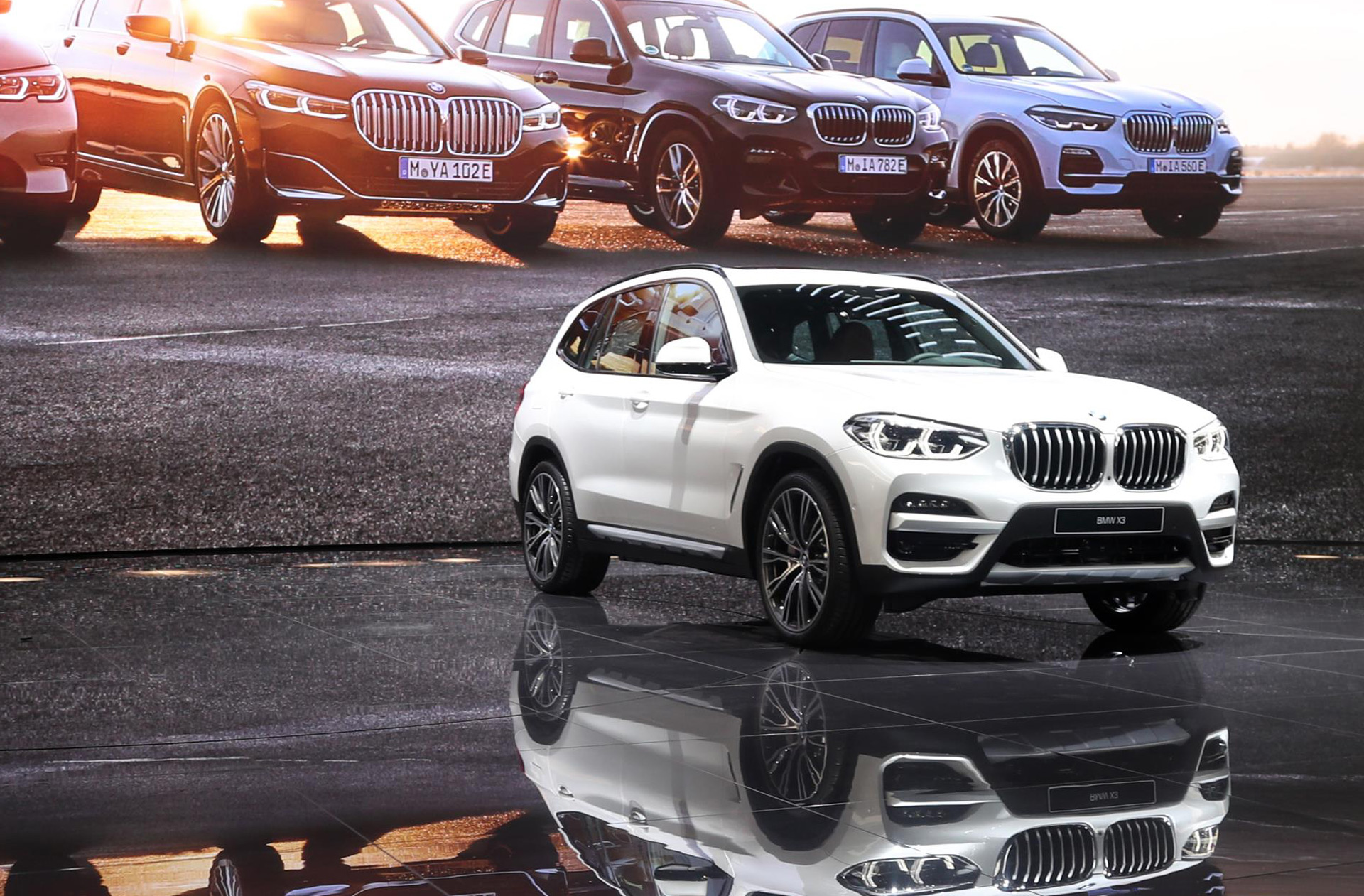 2021 BMW X5 Will Introduce Electric Version >> Bmw X3 Xdrive 30e Builds Out Plug In Hybrid Lineup